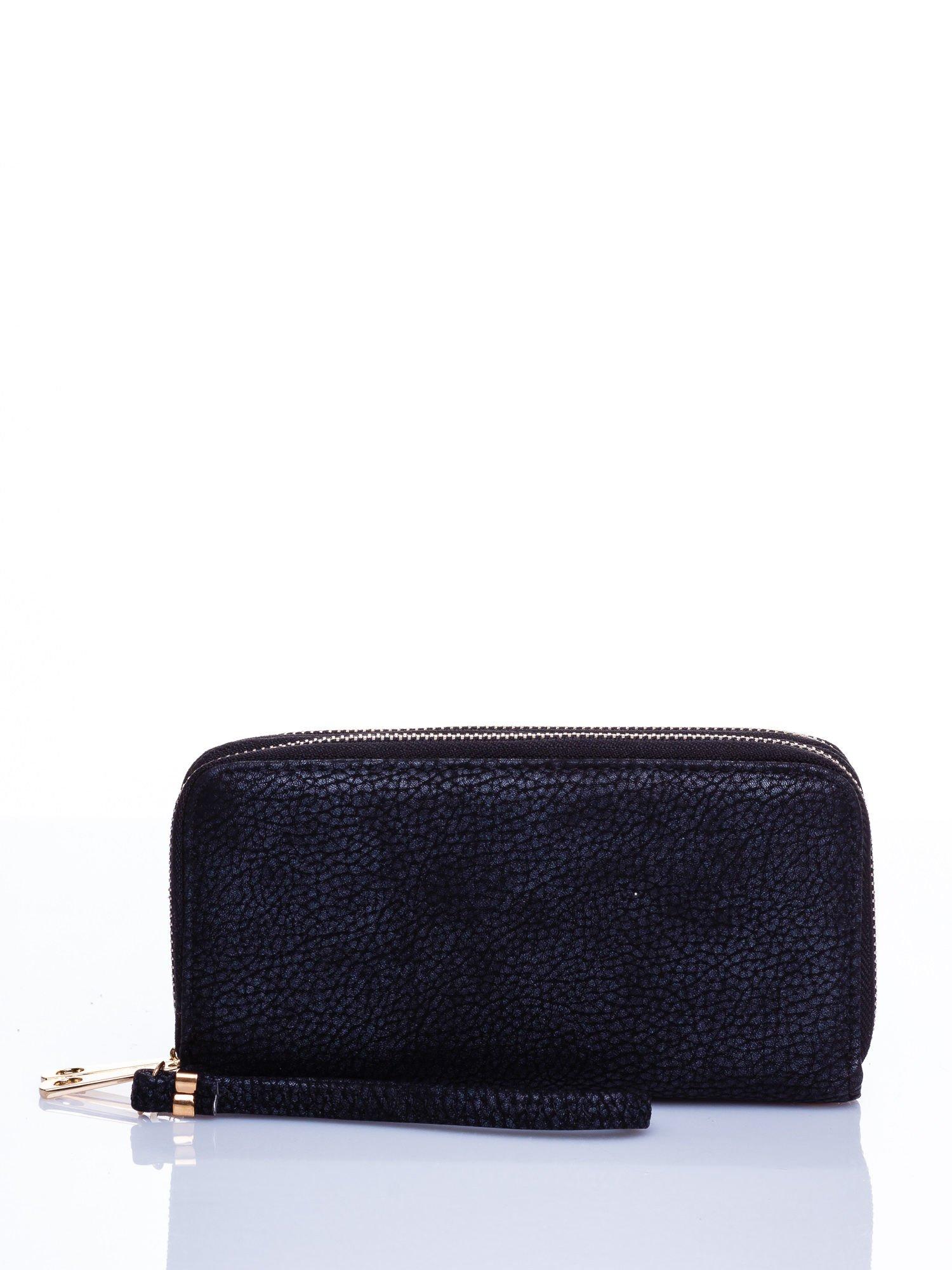 Czarny matowy portfel z rączką                                  zdj.                                  1