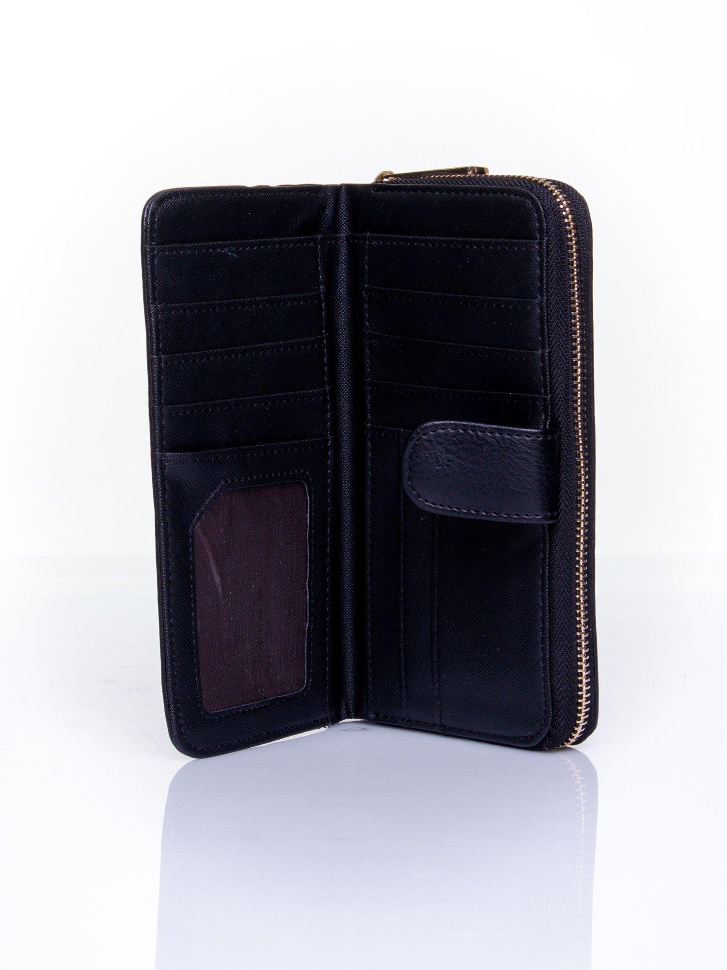 Czarny pikowany portfel ze złotym suwakiem                                  zdj.                                  4
