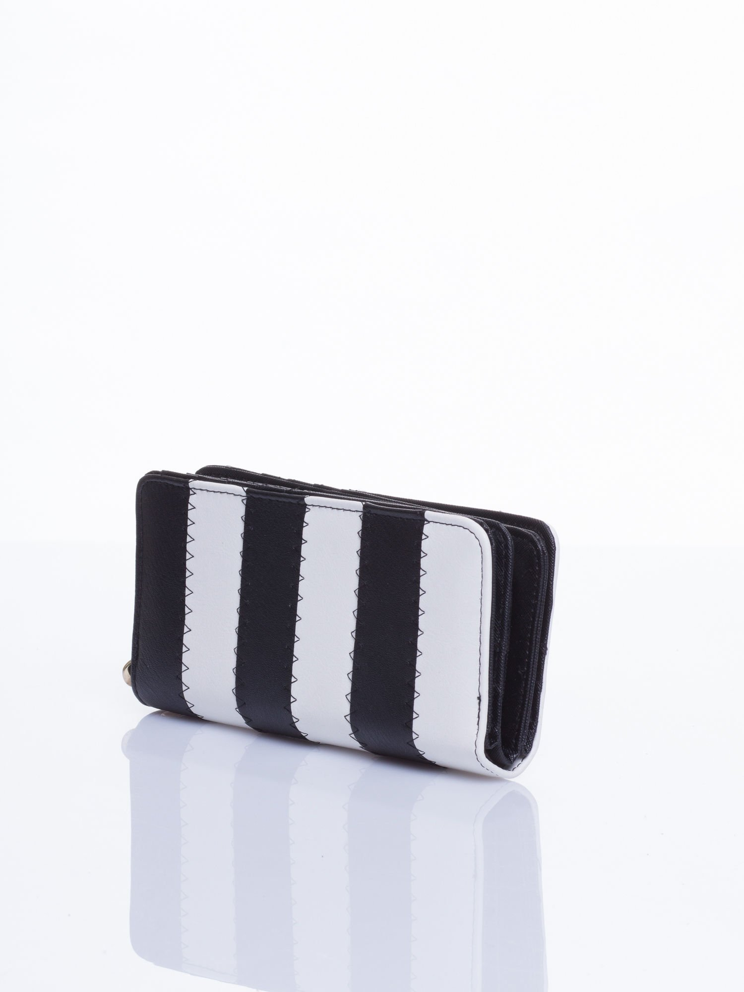 Czarny portfel w paski                                  zdj.                                  2