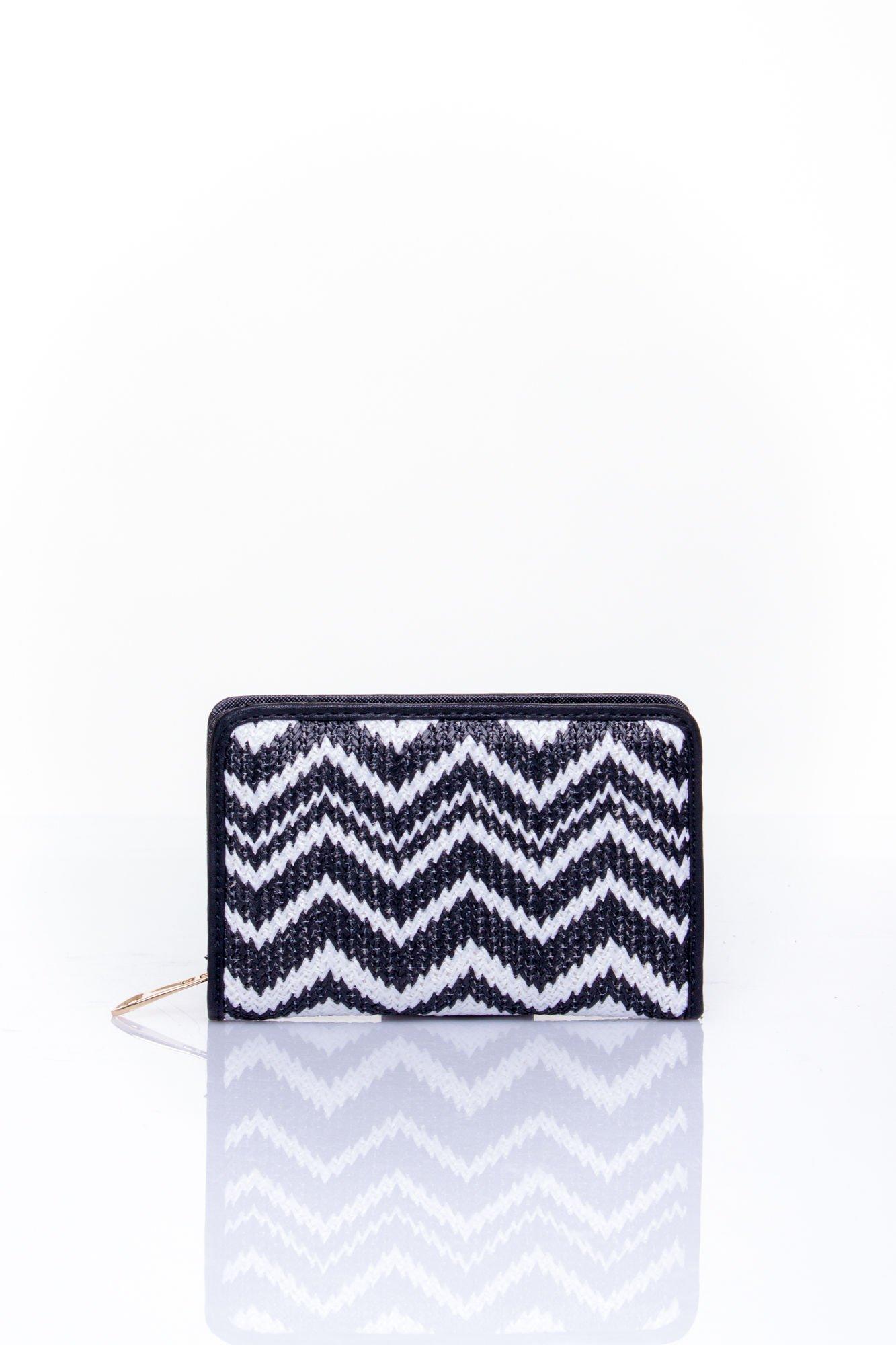 Czarny portfel z motywem geometrycznej plecionki                                  zdj.                                  1