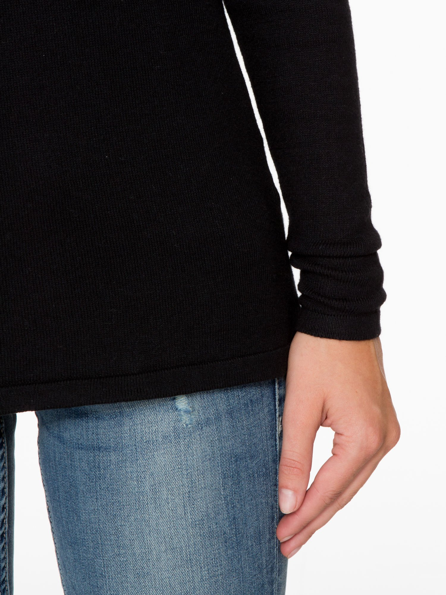 Czarny sweter z dłuższym tyłem i rozporkami po bokach                                  zdj.                                  7