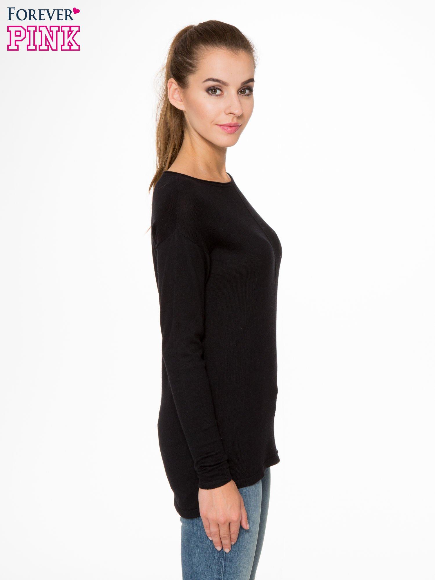 Czarny sweter z dłuższym tyłem i rozporkami po bokach                                  zdj.                                  3