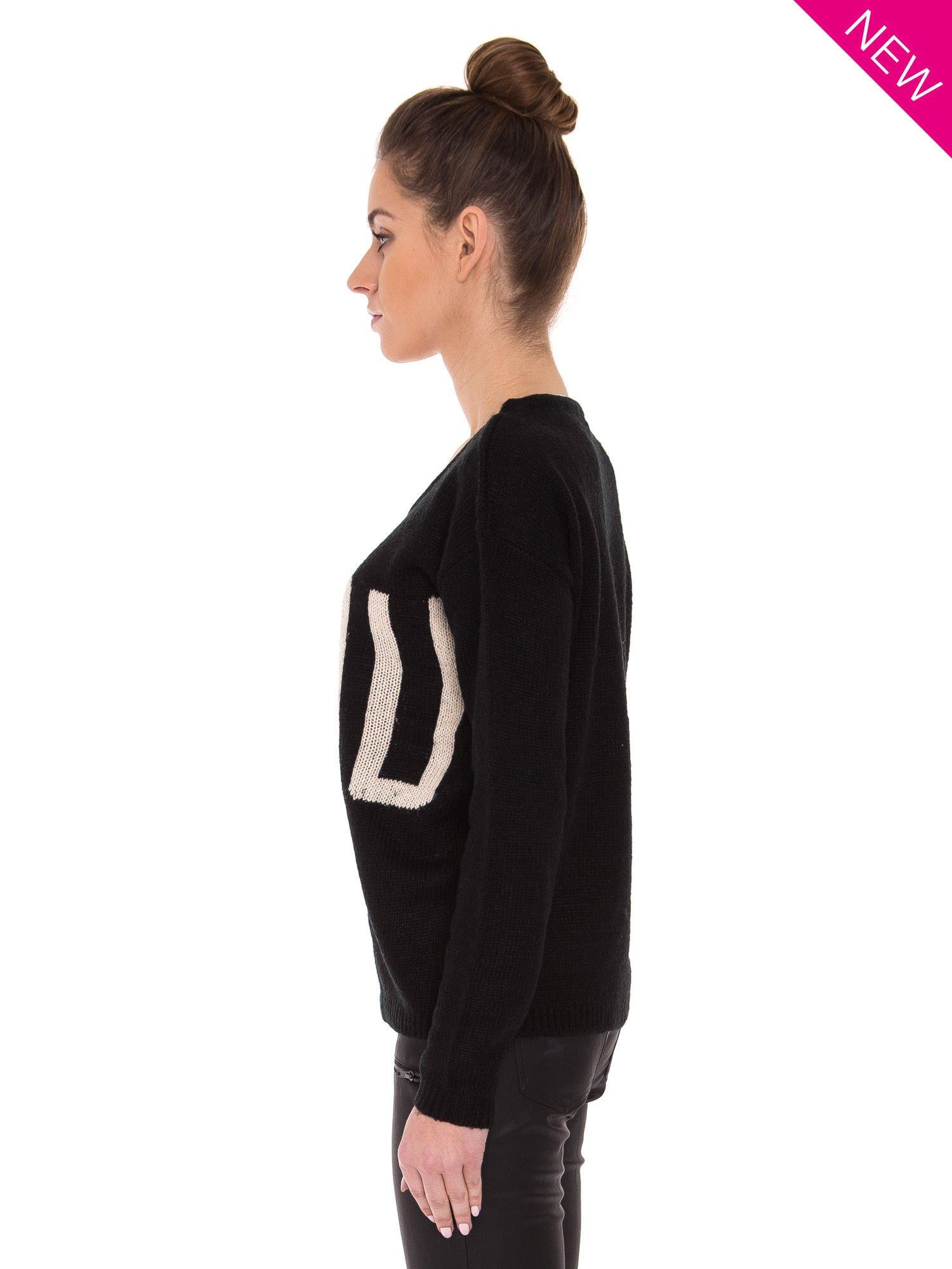Czarny sweter z sercem i napisem YOU                                  zdj.                                  2