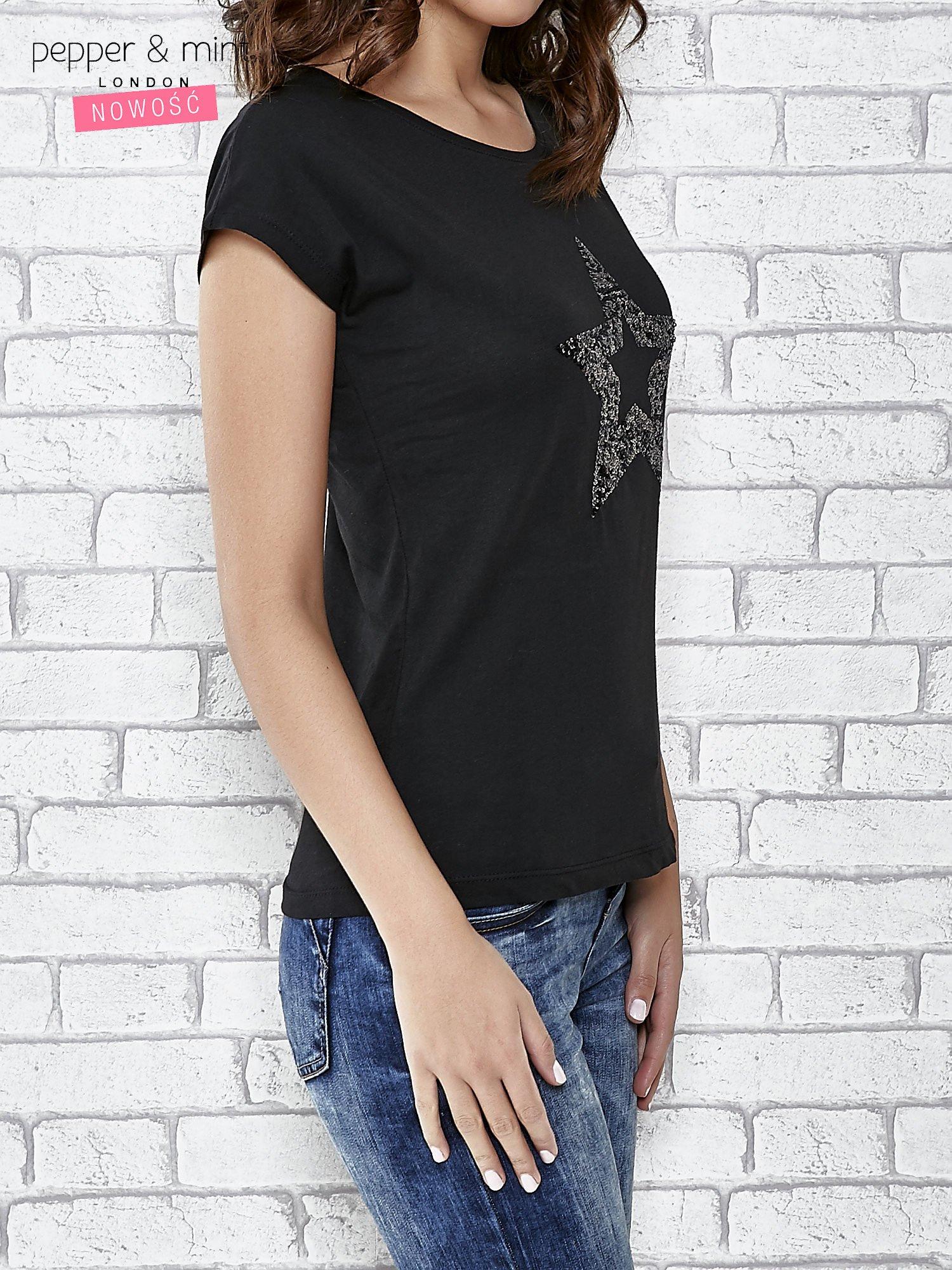 Czarny t-shirt damski z aplikacją gwiazdy z cekinów                                  zdj.                                  3