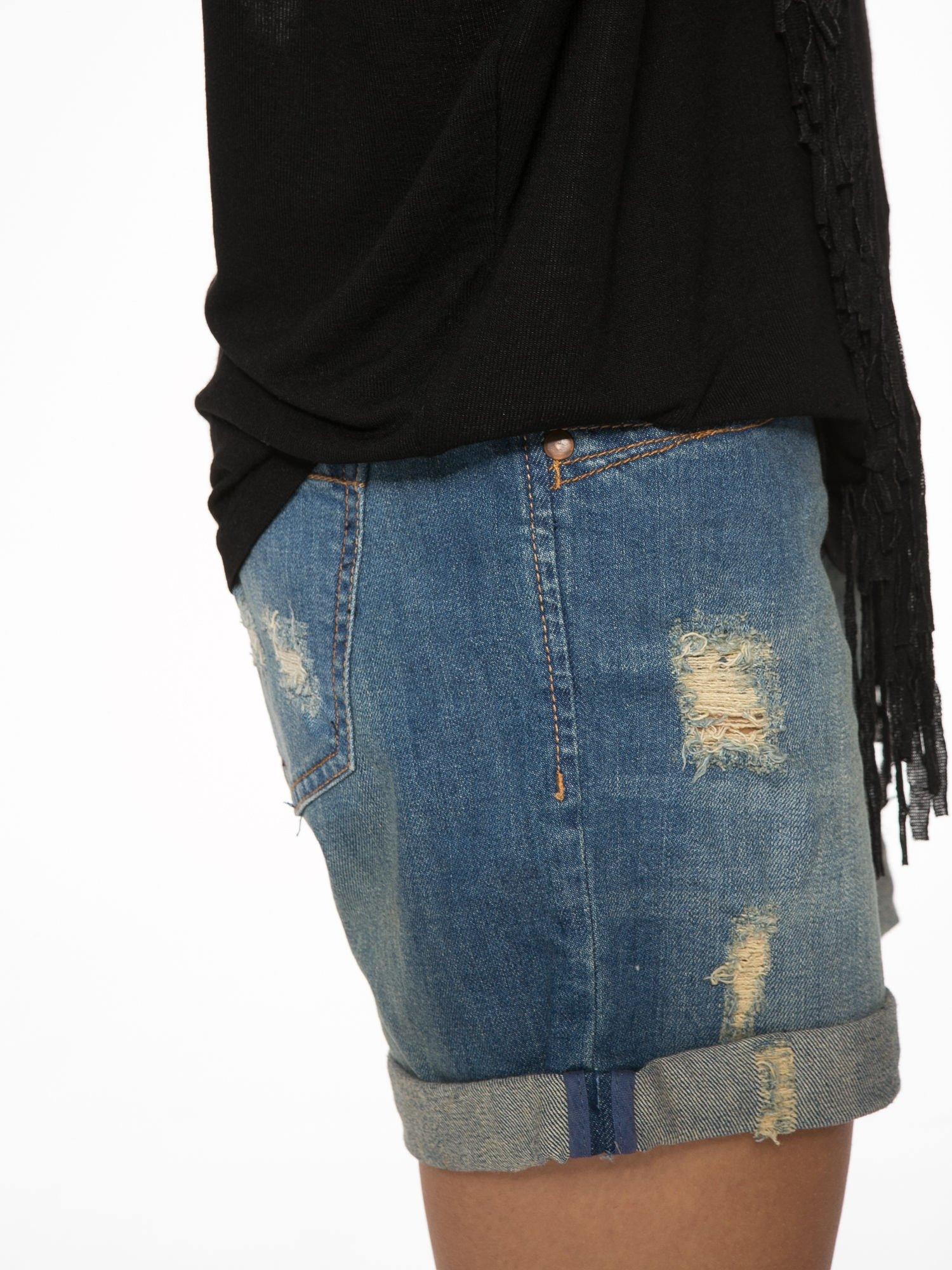 Czarny t-shirt z frędzlami i siateczkowym tyłem                                  zdj.                                  10