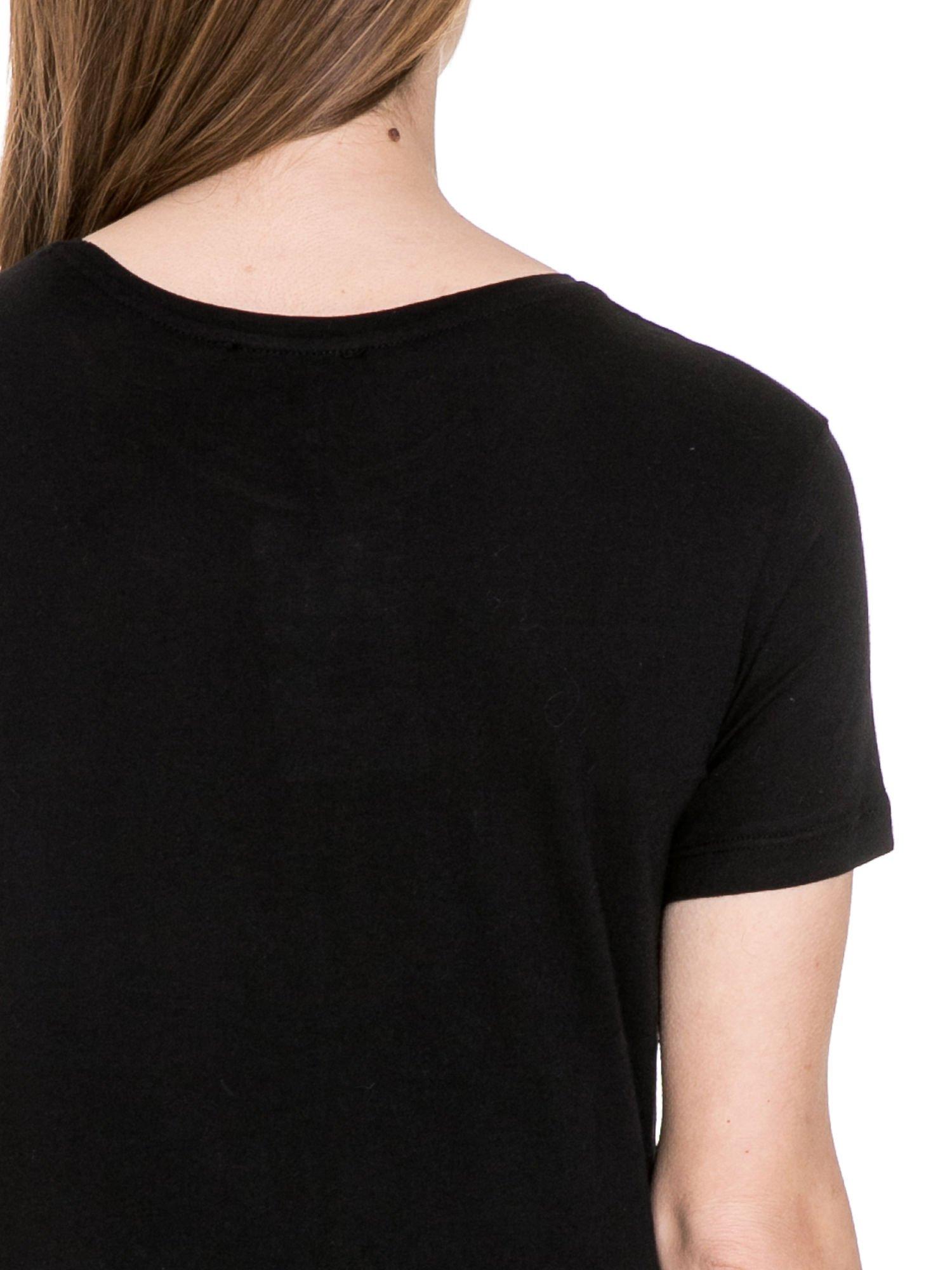 Czarny t-shirt z metalicznym napisem JERK                                  zdj.                                  6