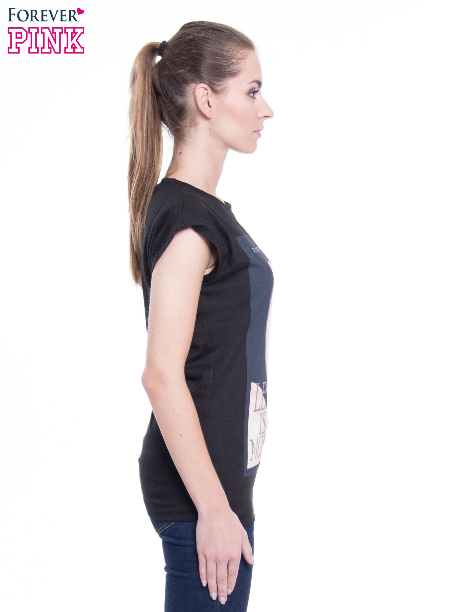 Czarny t-shirt z nadrukiem flaminga i napisem LESS IS MORE                                  zdj.                                  2