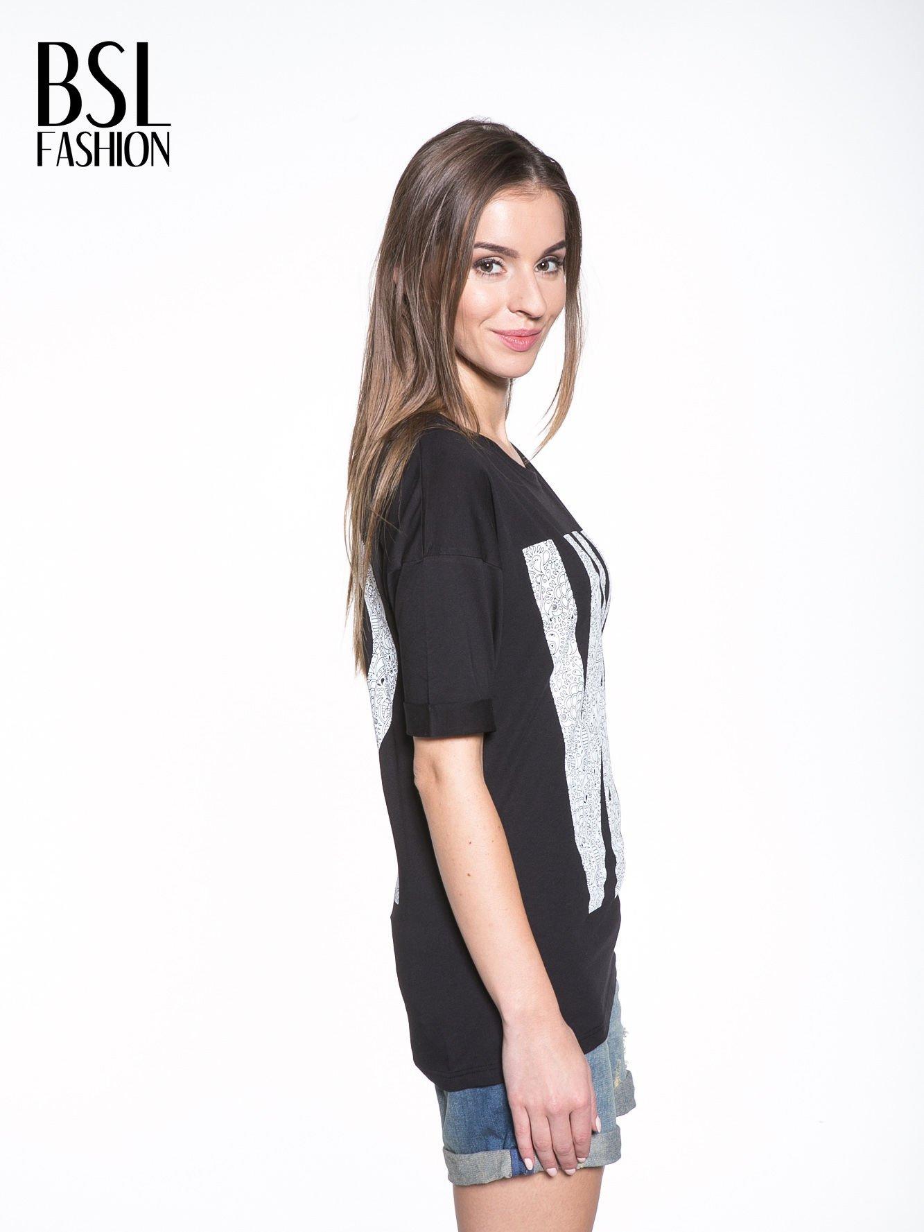 Czarny t-shirt z nadukiem WHY? z przodu i na plecach                                  zdj.                                  3