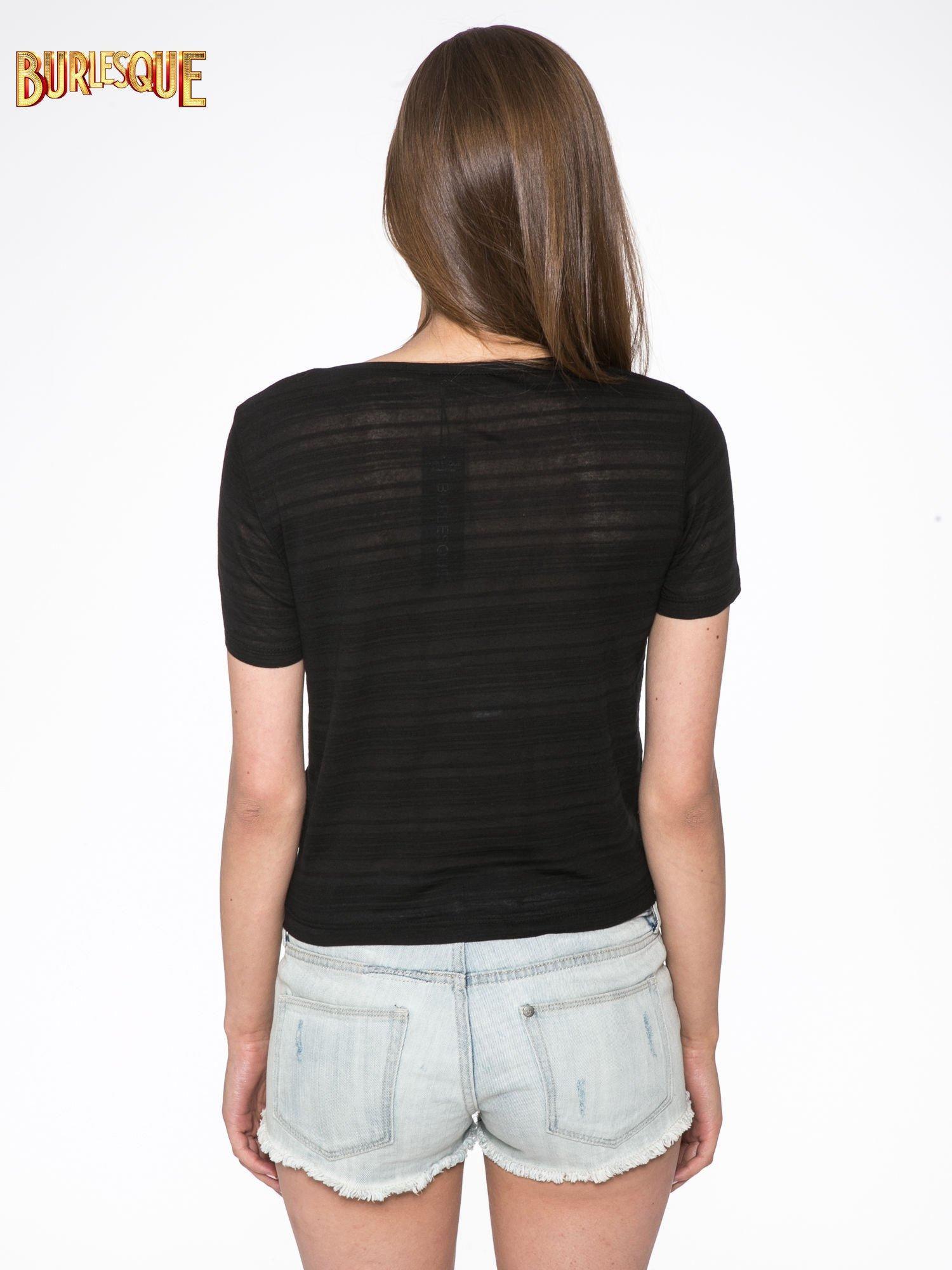 Czarny t-shirt z napisem DO YOU WANT TO KNOW A SECRET?                                  zdj.                                  4