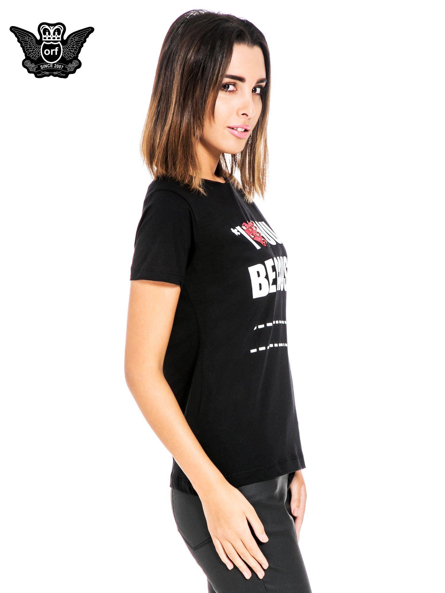 Czarny t-shirt z napisem I LOVE YOU BECAUSE                                  zdj.                                  3