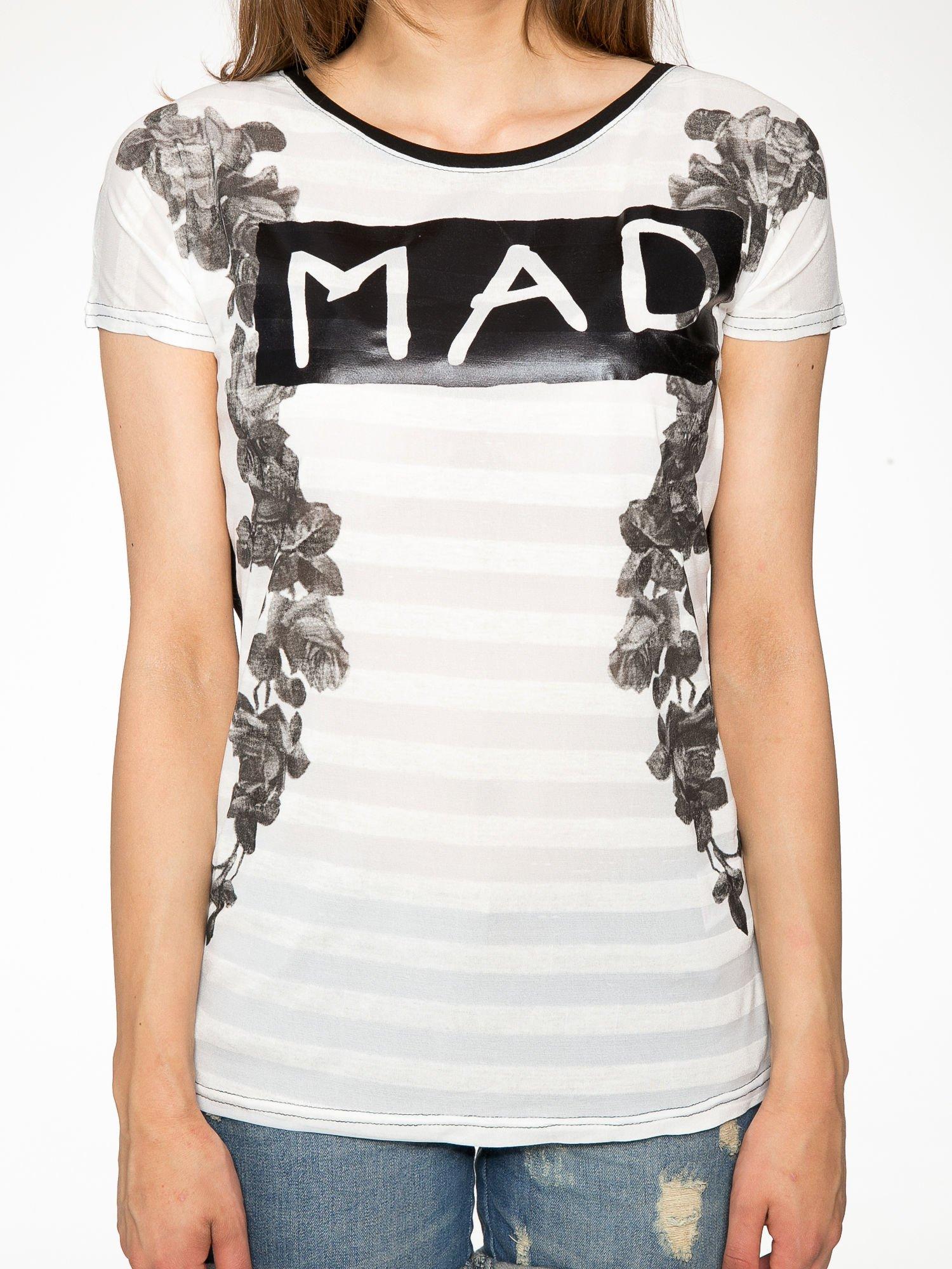 Czarny t-shirt z napisem MAD i kwiatowym nadrukiem                                  zdj.                                  7