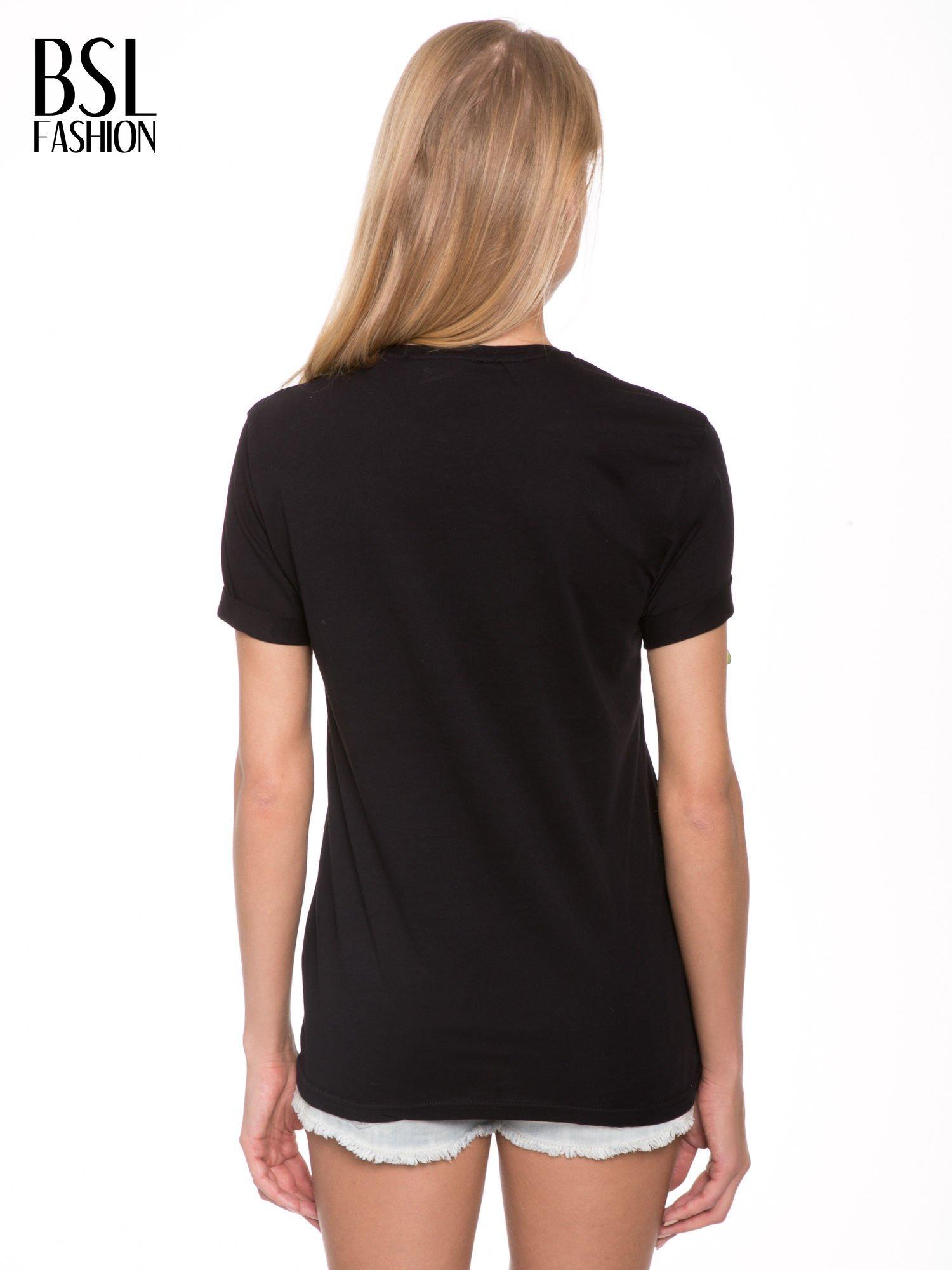 Czarny t-shirt z napisem w minimalistycznym stylu NICCE LONDON                                  zdj.                                  4