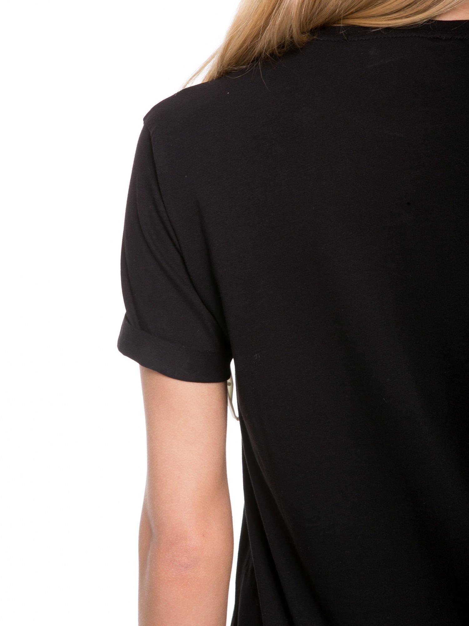 Czarny t-shirt z napisem w minimalistycznym stylu NICCE LONDON                                  zdj.                                  6