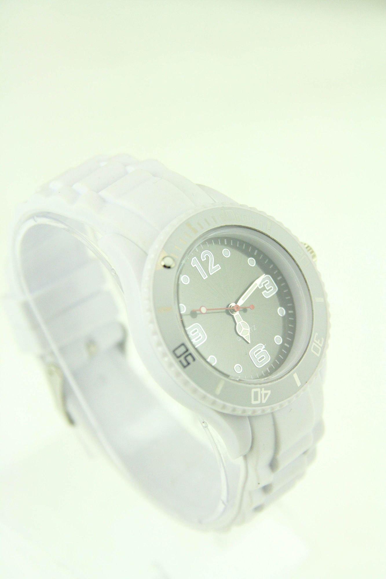 Czarny zegarek damski na silikonowym pasku                                  zdj.                                  2