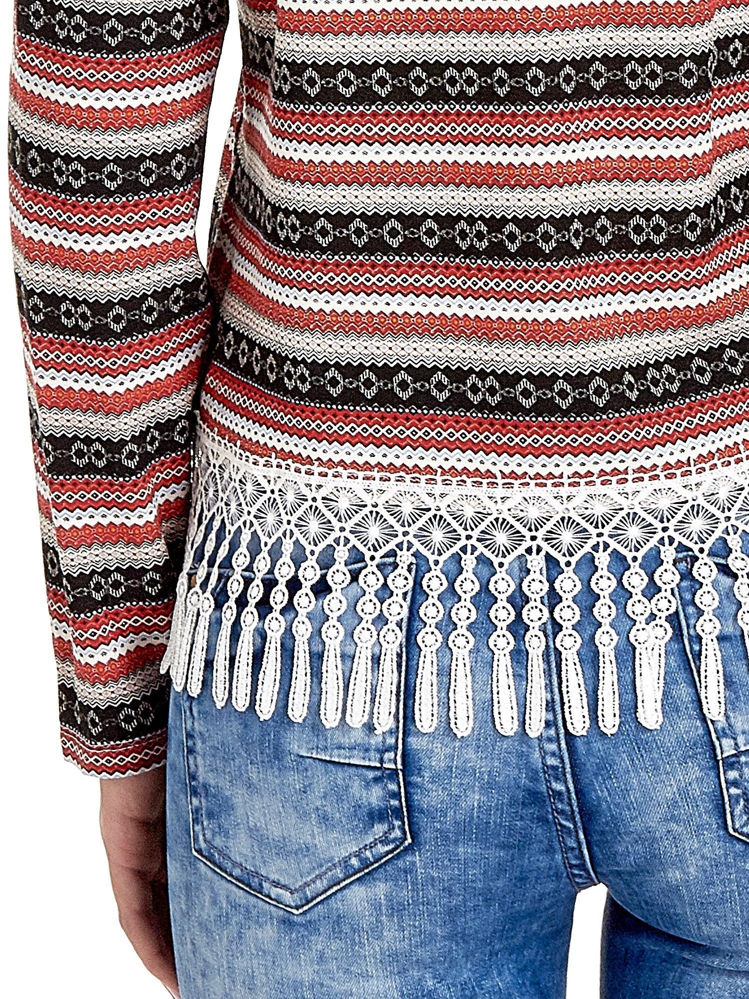 Czerwona bluza w azteckie wzory z koronką z frędzlami                                  zdj.                                  5
