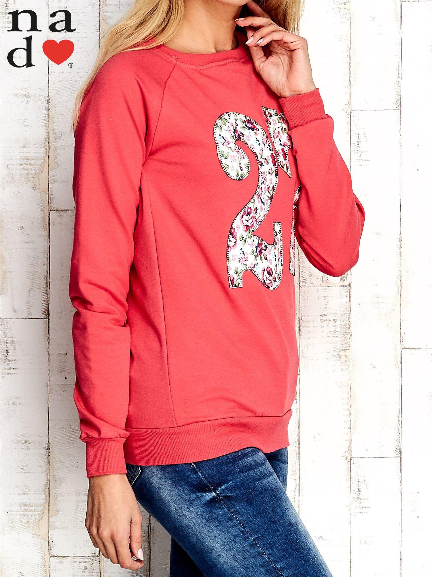 Czerwona bluza z cyfrą 27                                  zdj.                                  3