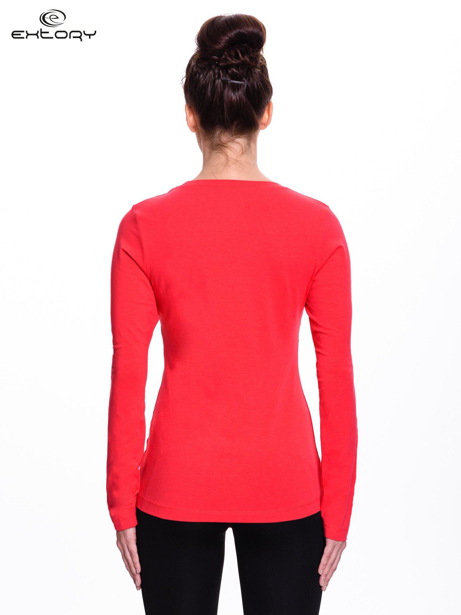 Czerwona bluzka sportowa z dekoltem U                                  zdj.                                  4