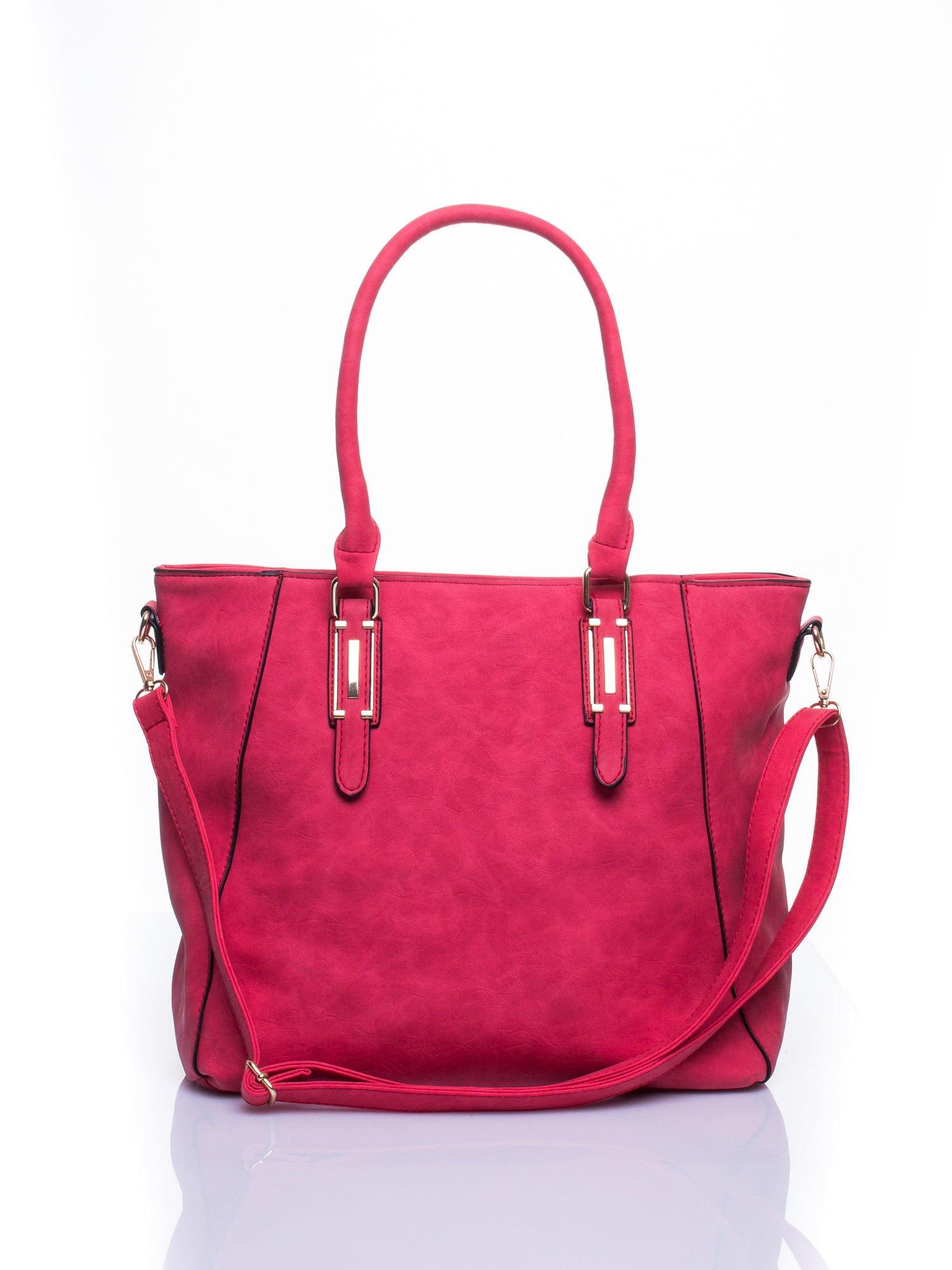 Czerwona fakturowana torba z odpinanym paskiem                                  zdj.                                  1