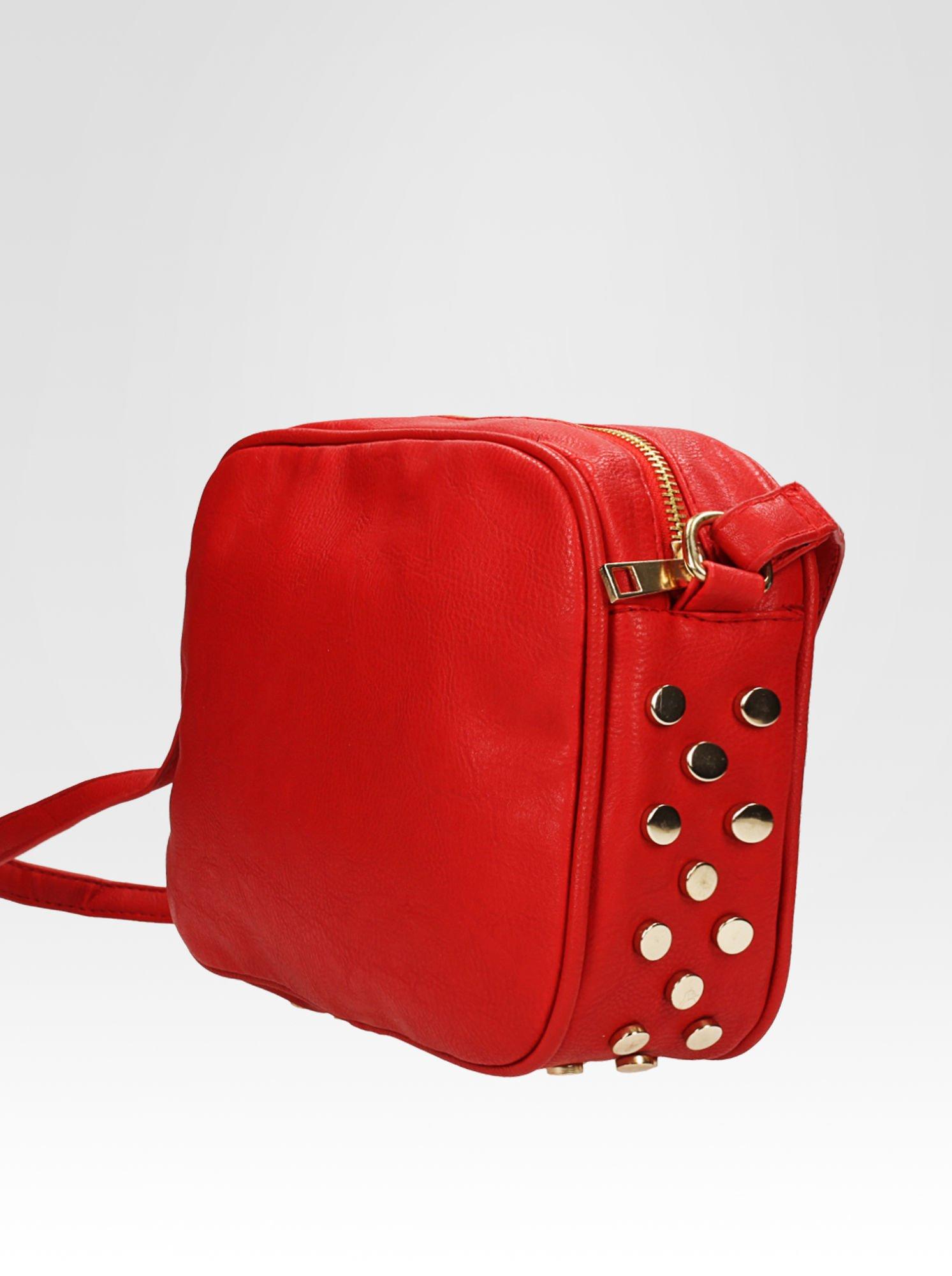 Czerwona mała torebka listonoszka z dżetami                                  zdj.                                  8
