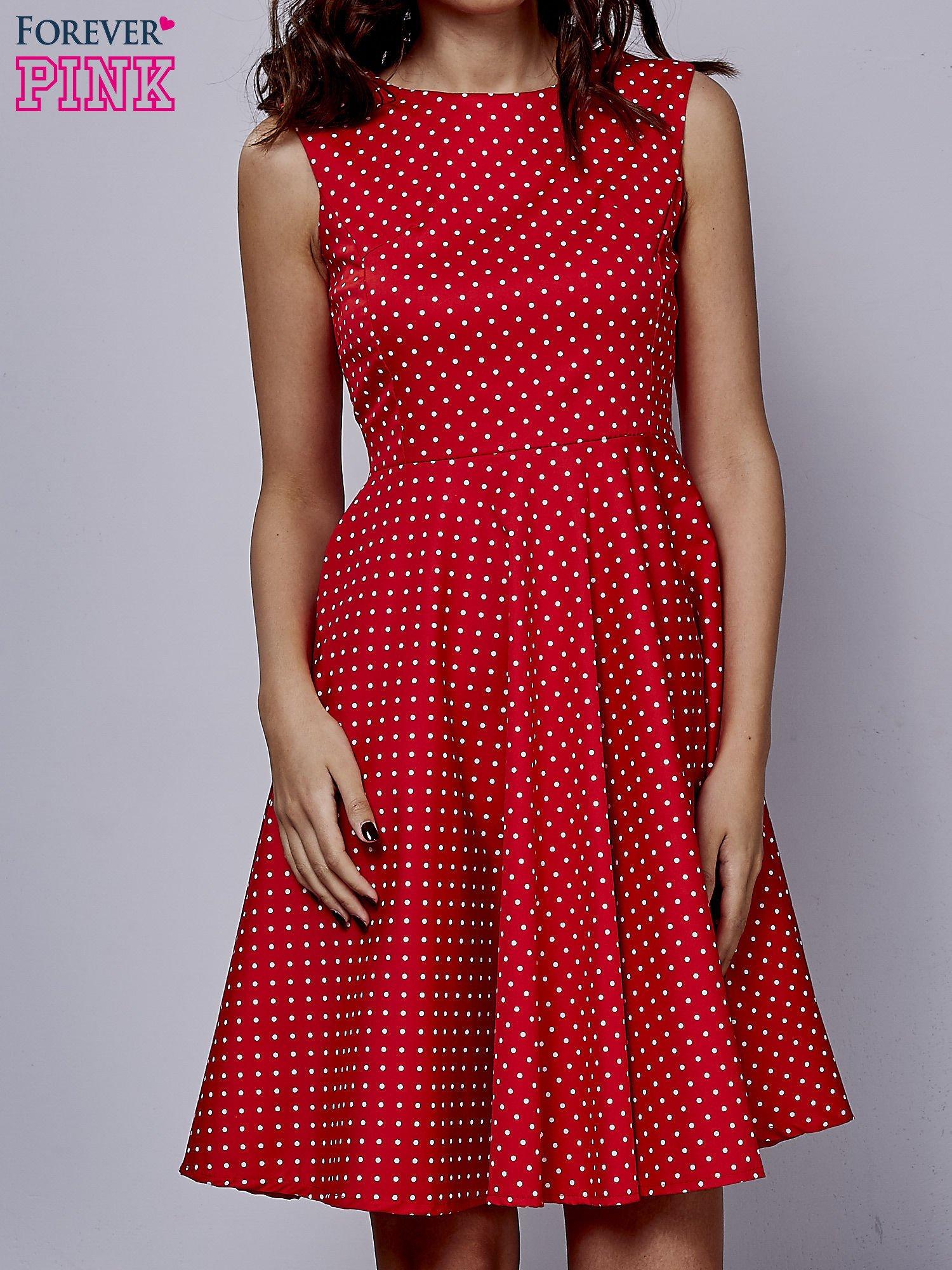 Czerwona rozkloszowana sukienka w groszki                                  zdj.                                  1