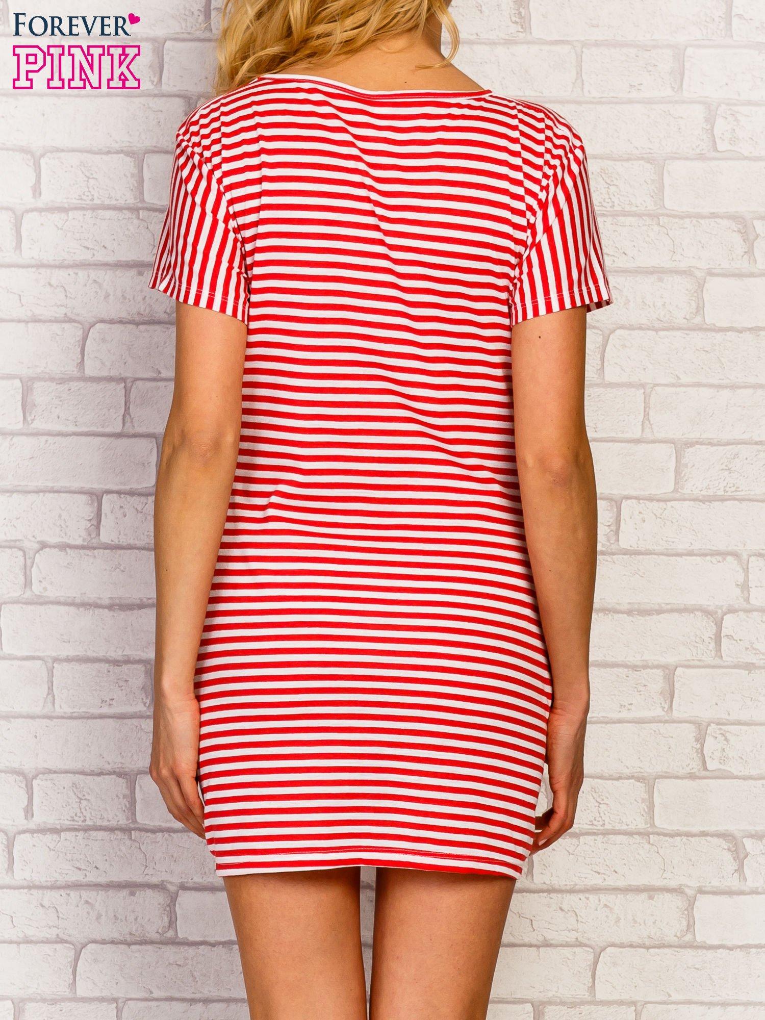 Czerwona sukienka paski z napisem HOLD ON MY LOVE                                   zdj.                                  4