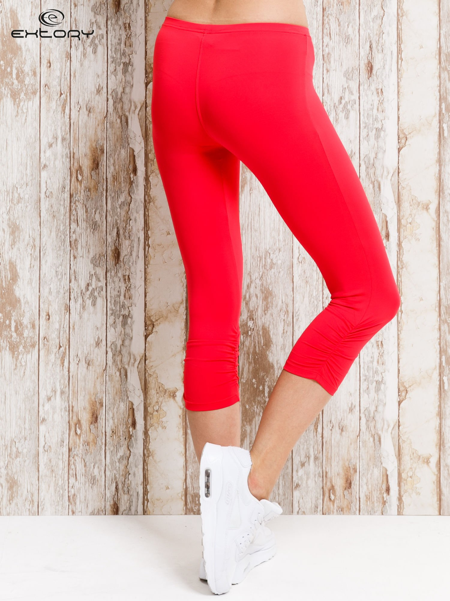 Czerwone legginsy sportowe 3/4 z marszczoną nogawką                                  zdj.                                  3