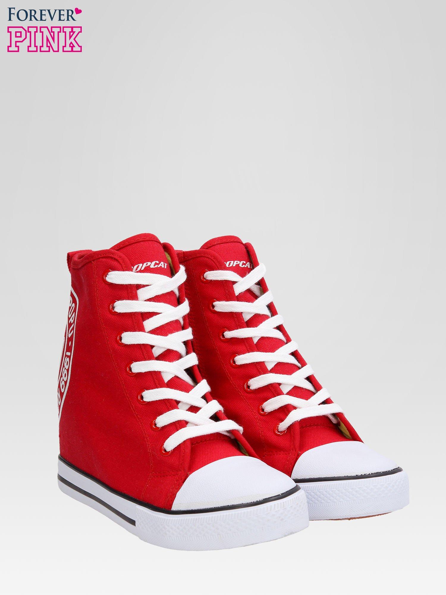 Czerwone trampki na koturnie sneakersy z logo                                  zdj.                                  2