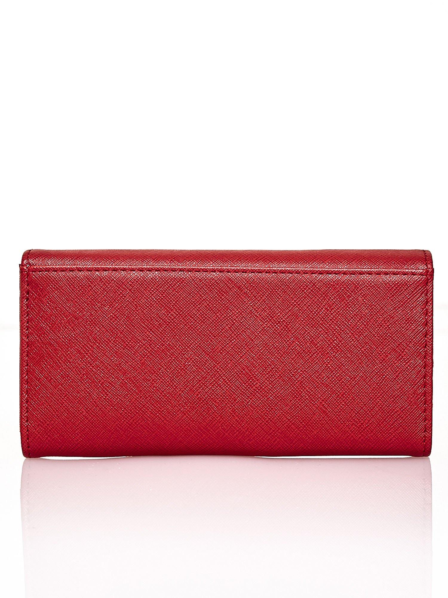Czerwony portfel z białym wykończeniem                                  zdj.                                  2