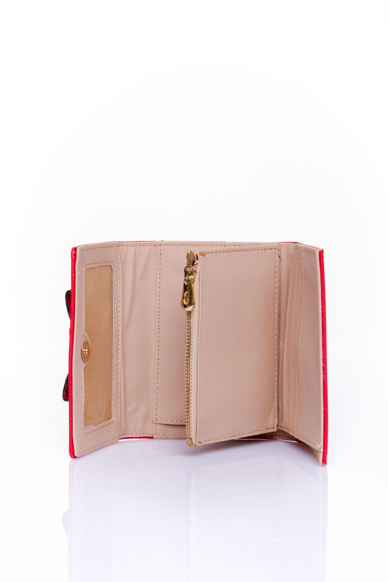 Czerwony portfel z kokardką                                  zdj.                                  5