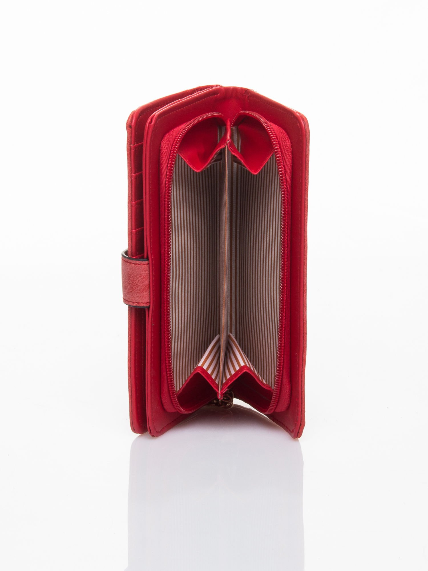 Czerwony portfel z plecionką                                  zdj.                                  5
