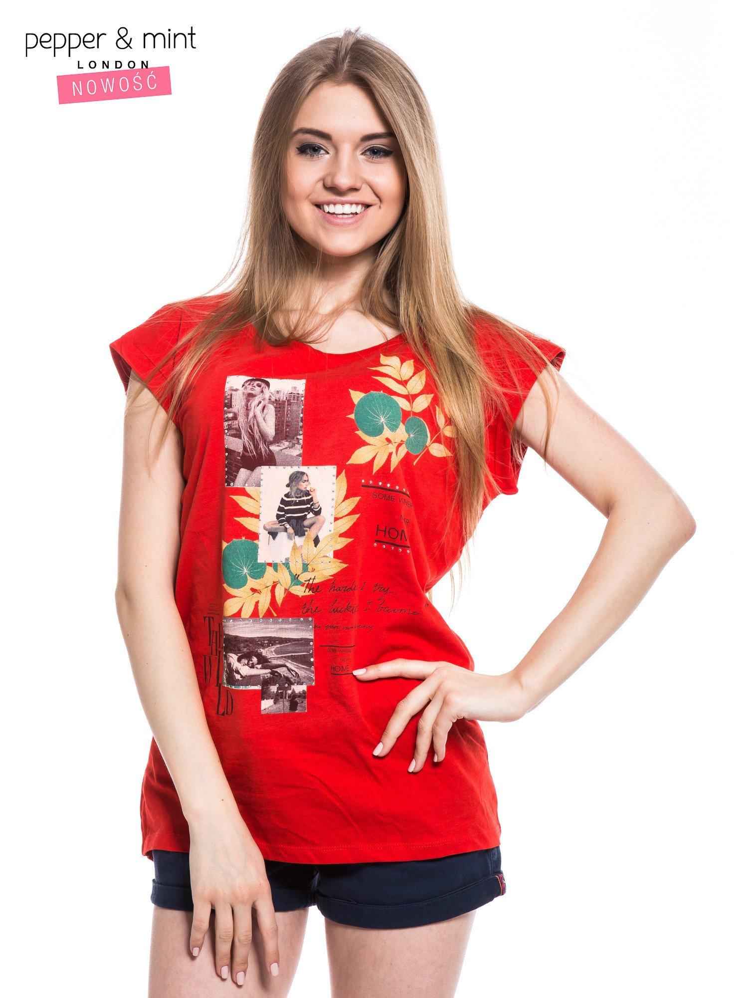 Czerwony t-shirt z nadrukiem i wydłużanym tyłem                                  zdj.                                  1