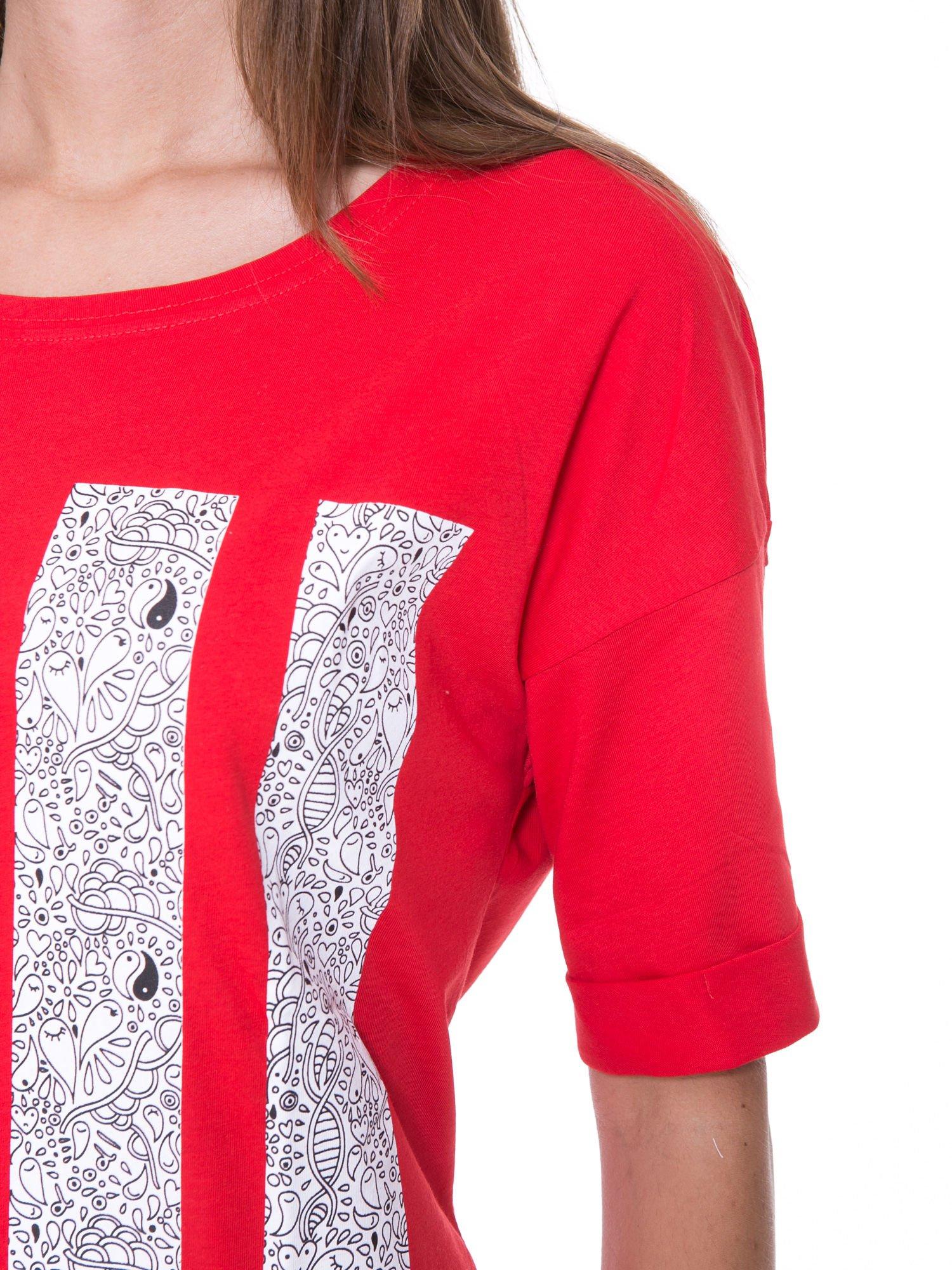 Czerwony t-shirt z nadukiem DUDE z przodu i na plecach                                  zdj.                                  9