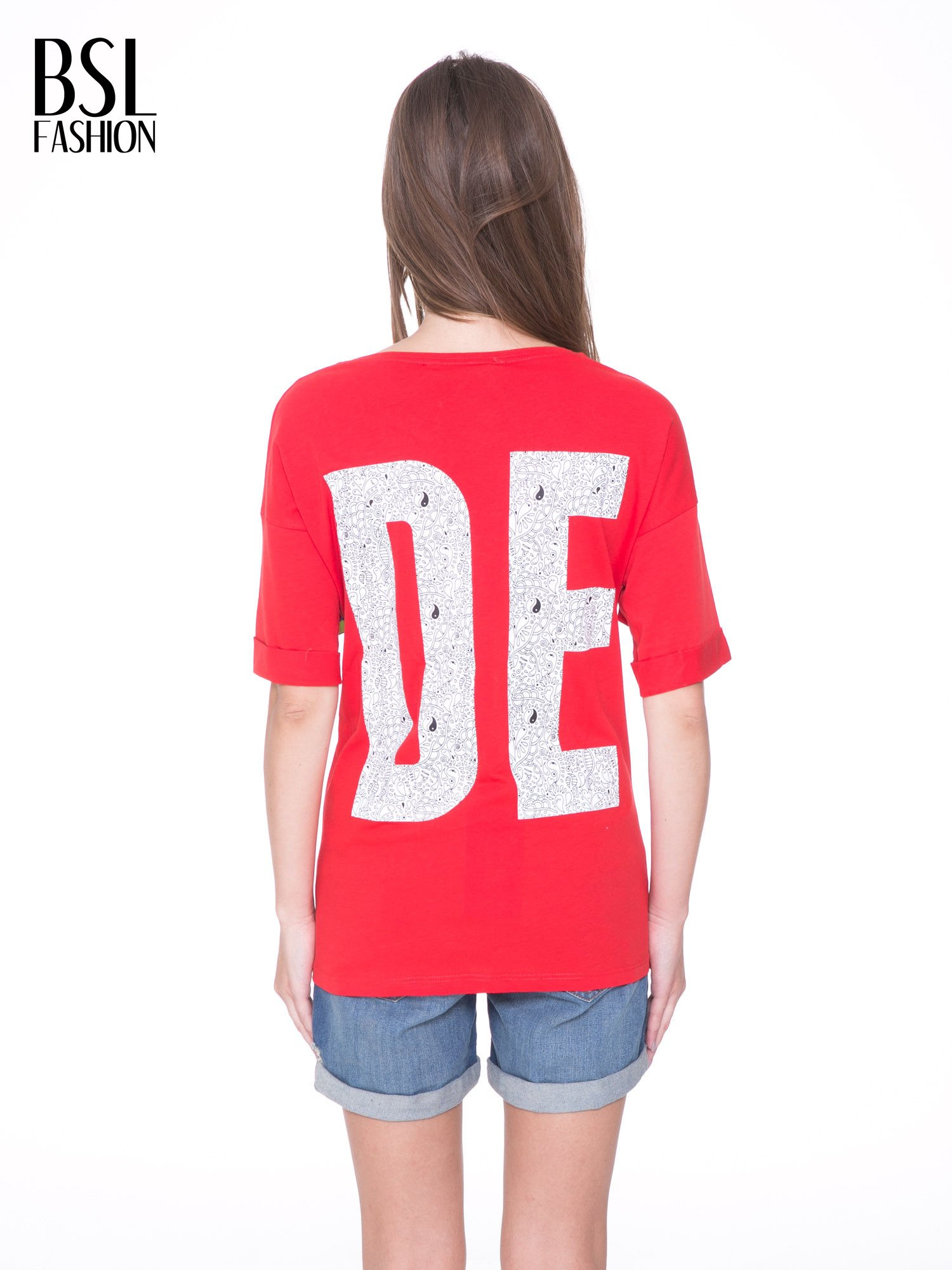 Czerwony t-shirt z nadukiem DUDE z przodu i na plecach                                  zdj.                                  5
