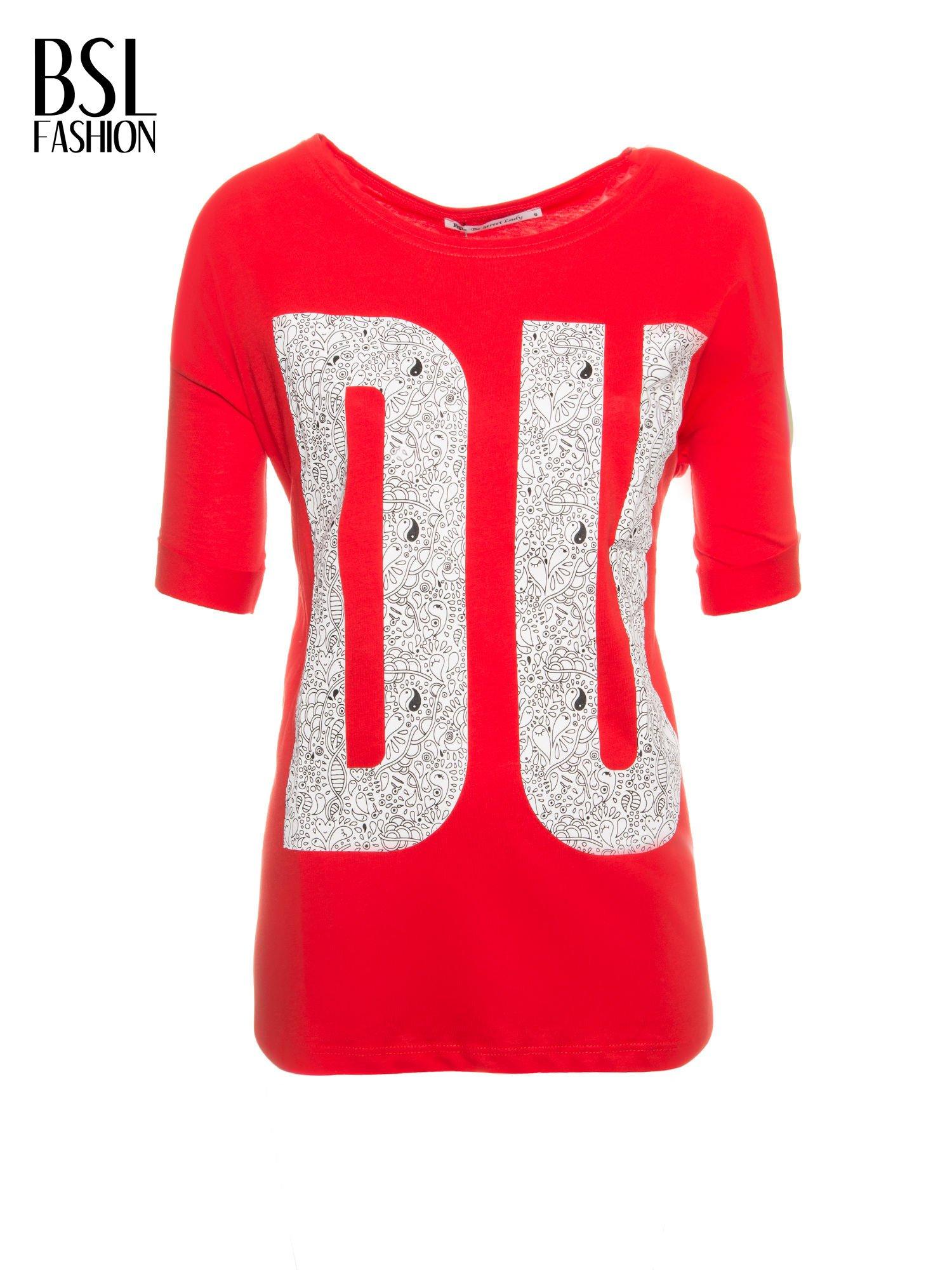 Czerwony t-shirt z nadukiem DUDE z przodu i na plecach                                  zdj.                                  2