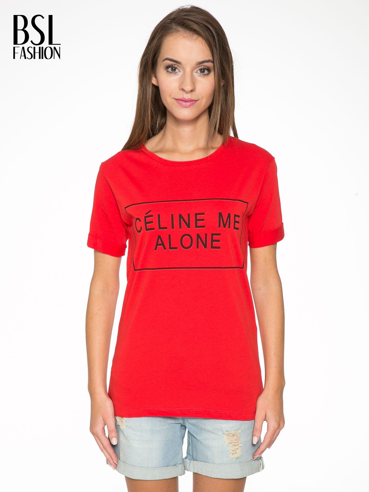 Czerwony t-shirt z napisem CÉLINE ME ALONE                                  zdj.                                  1