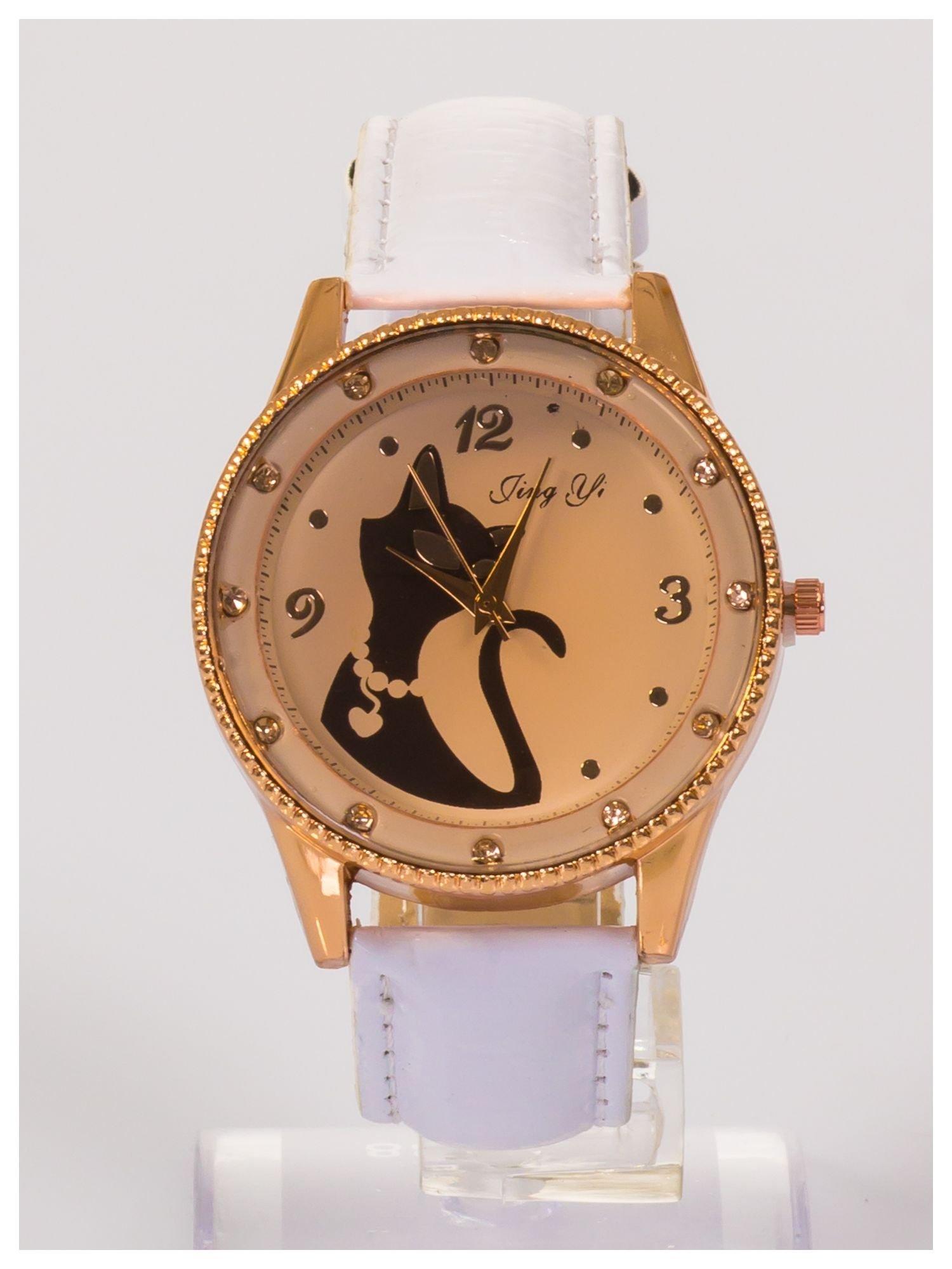 Damski zegarek z cyrkoniami z motywem kotka na tarczy, na lakierowanym białym pasku                                  zdj.                                  1