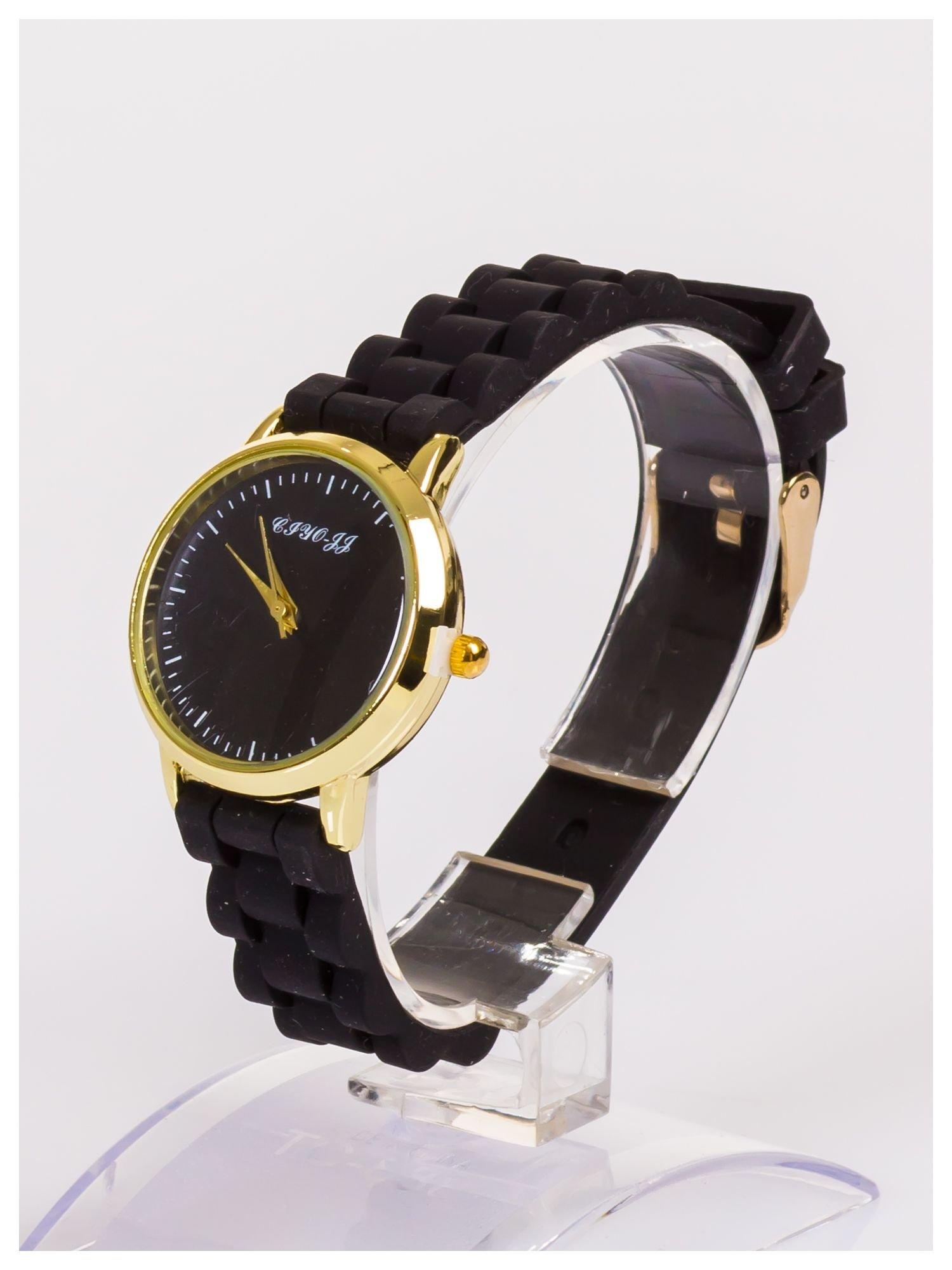 Damski zegarek z małą tarczą na silikonowym wygodnym pasku                                   zdj.                                  2