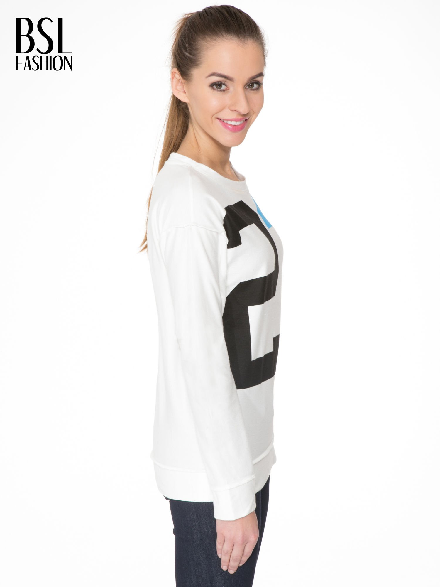 Ecru bluza z nadrukiem numerycznym 23                                  zdj.                                  3