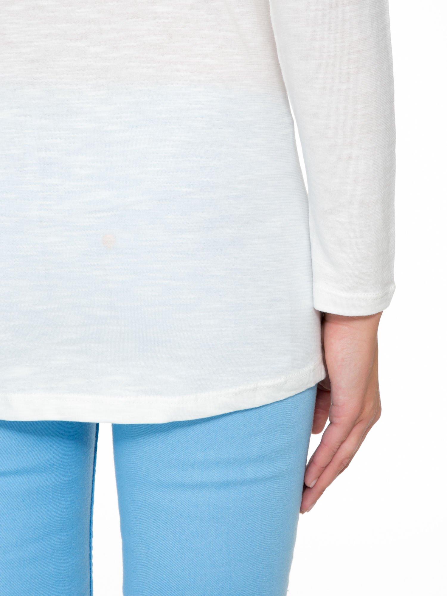 Ecru bluzka z fotografią stokrotek                                  zdj.                                  9