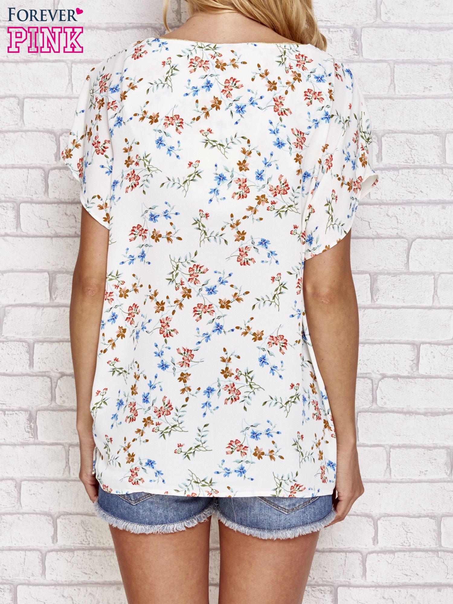 Ecru koszula w kwiaty ze złotą lamówką                                  zdj.                                  4