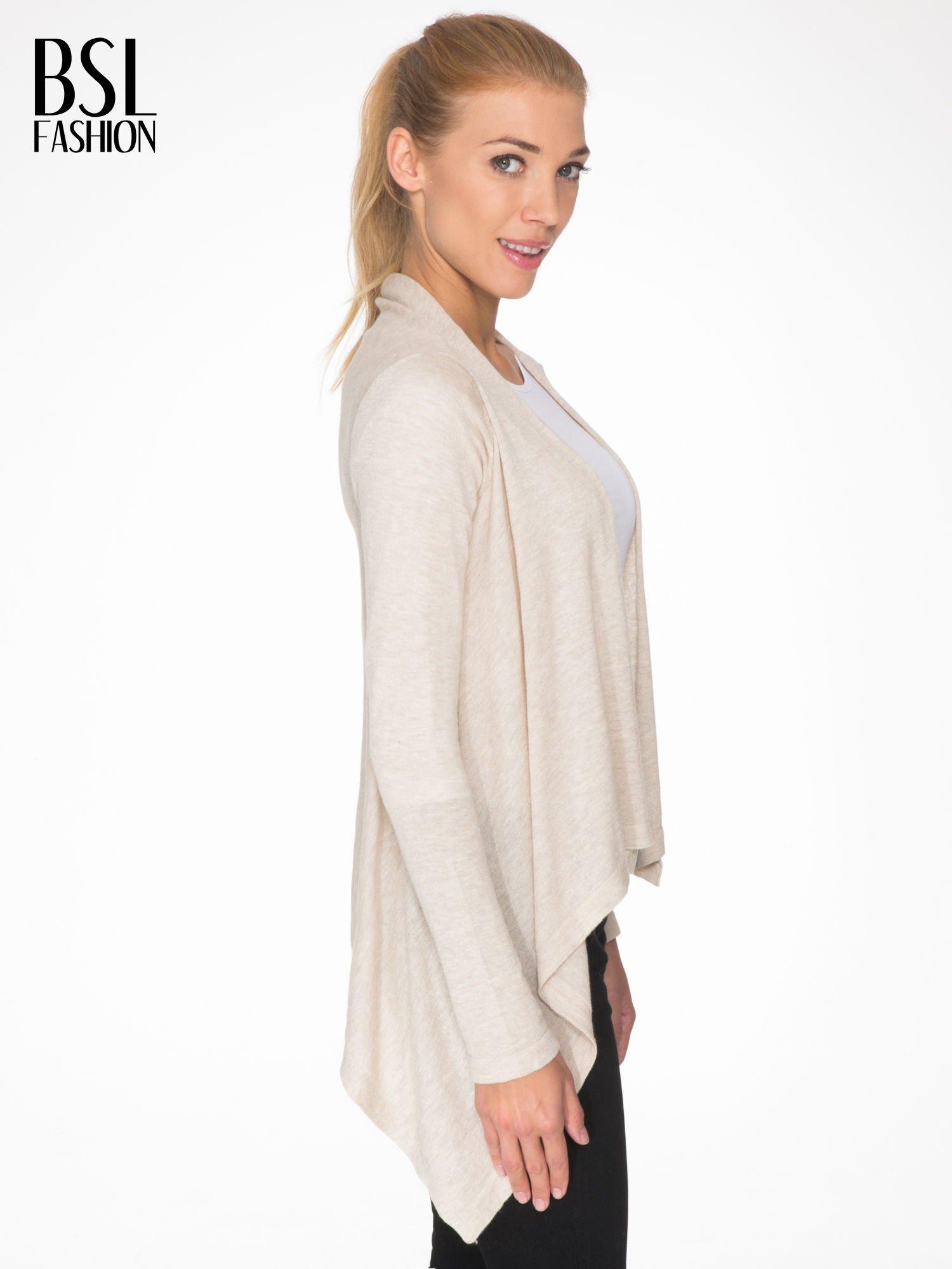 Ecru otwarty sweter z kaskadowymi bokami                                  zdj.                                  3