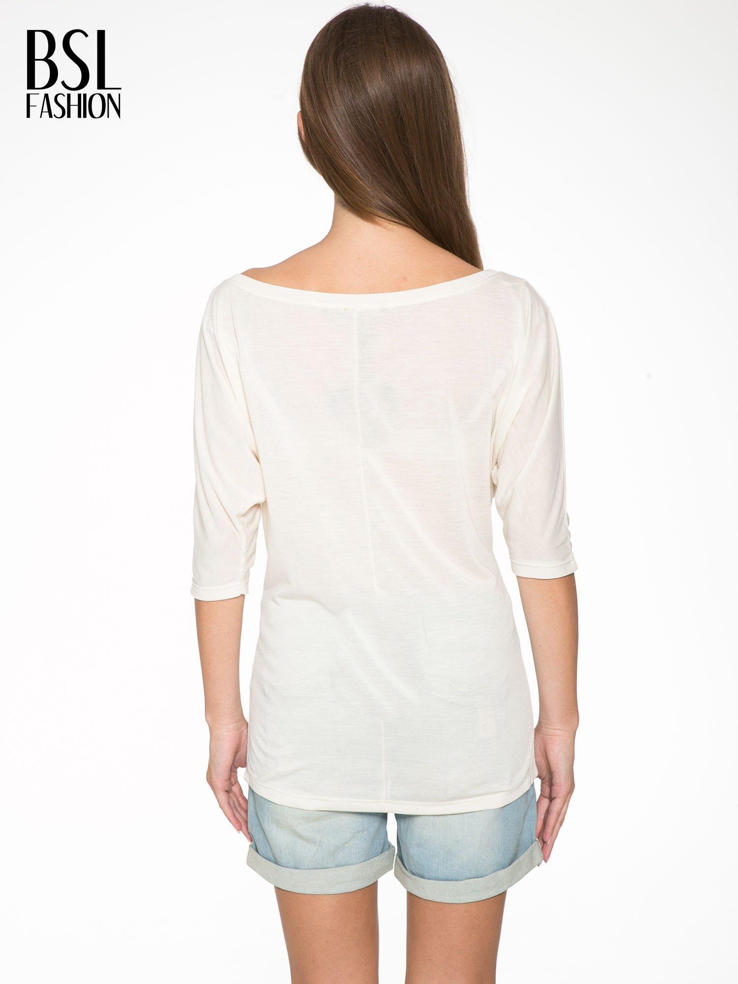 Ecru półtransparentna bluzka z łódkowym dekoltem i rękawami 3/4                                  zdj.                                  4