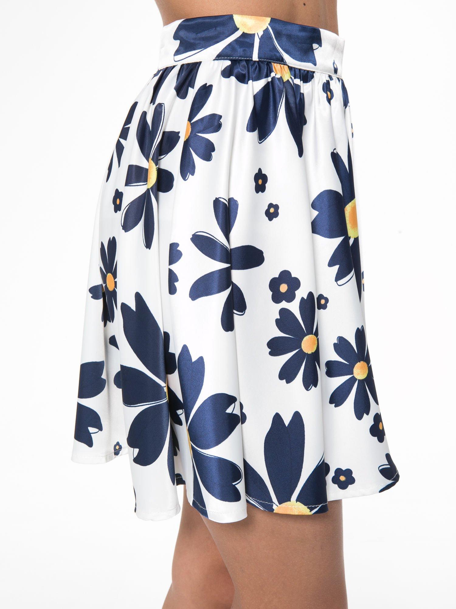 Ecru rozkloszowana spódnica skater w kwiaty                                  zdj.                                  8
