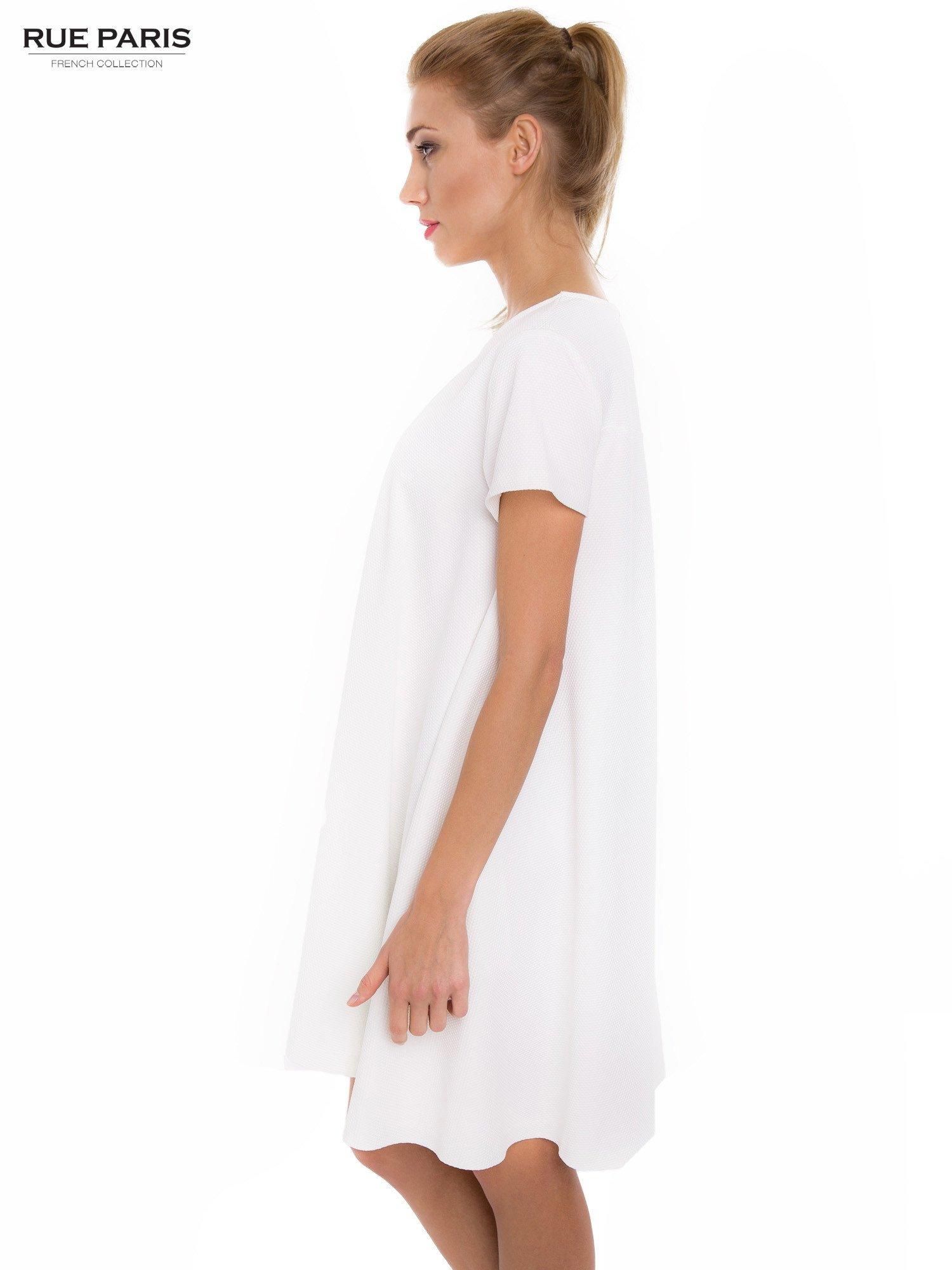 Ecru sukienka rozkloszowana dzwonek                                  zdj.                                  3
