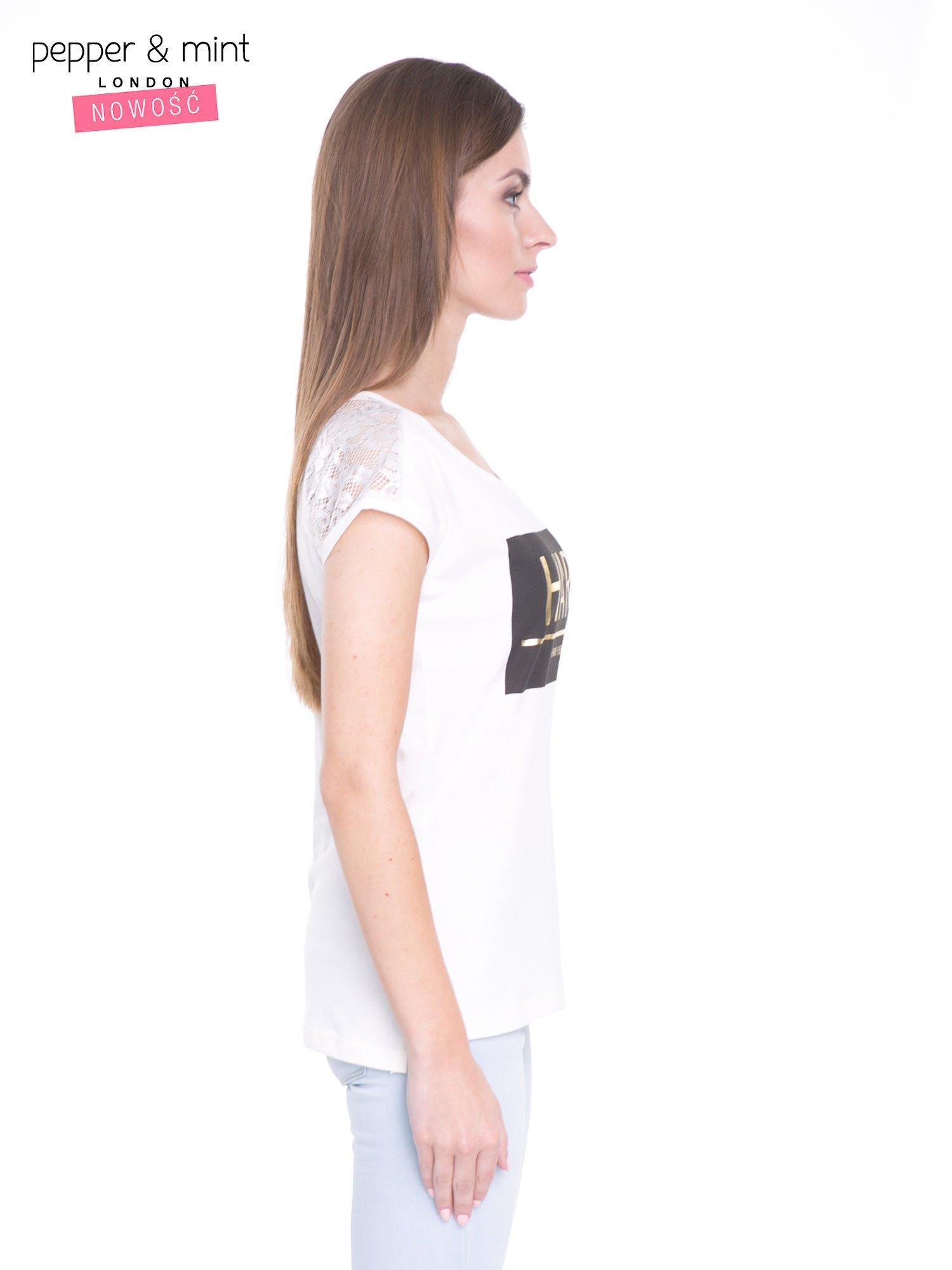 Ecru t-shirt z metalicznym nadrukiem HARD i koronkową wstawką z tyłu                                  zdj.                                  3