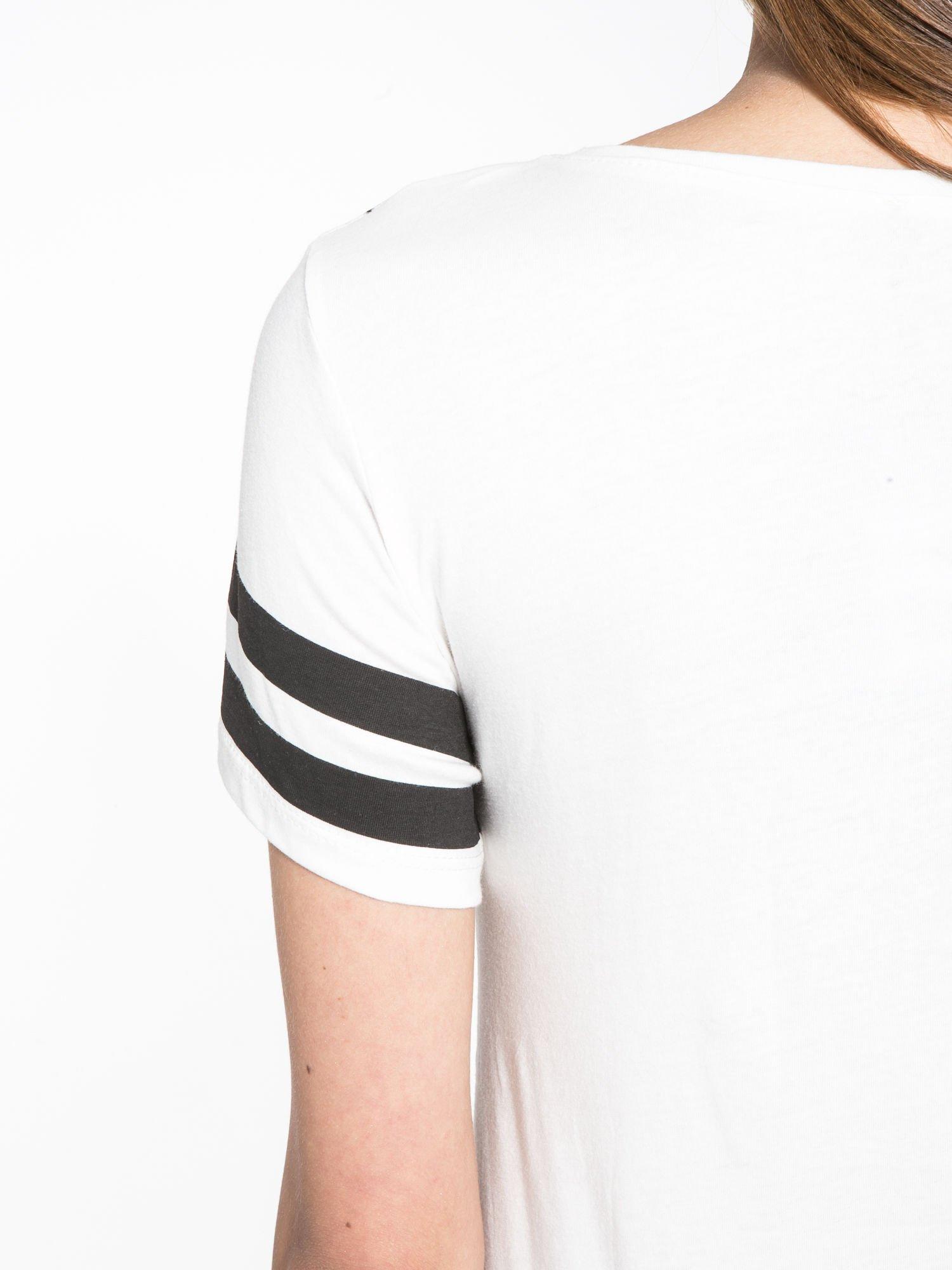 Ecru t-shirt z motywem Paryża                                  zdj.                                  8