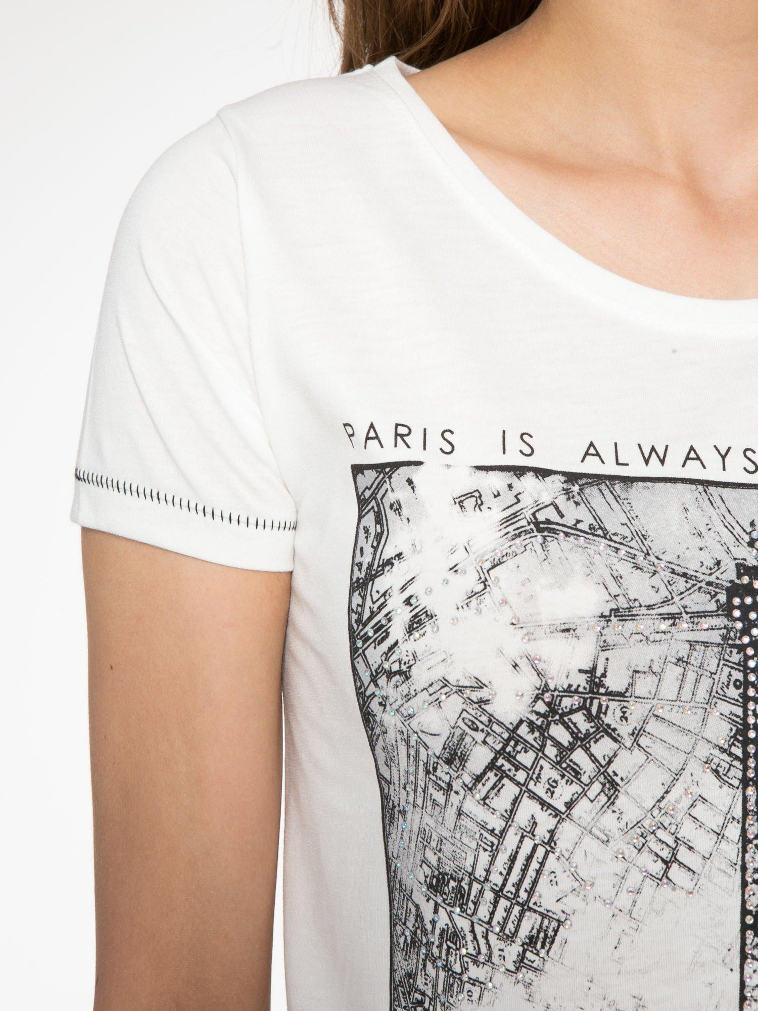 Ecru t-shirt z nadrukiem wieży Eiffla                                  zdj.                                  5