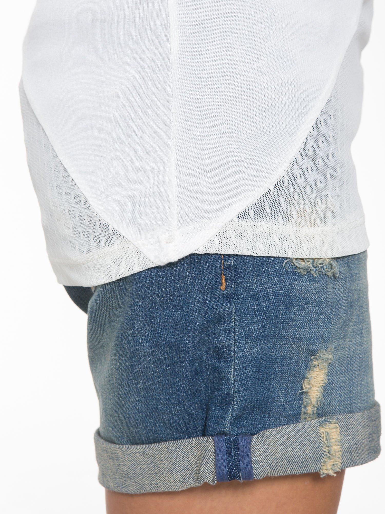 Ecru t-shirt z siateczkowymi wstawkami                                  zdj.                                  7
