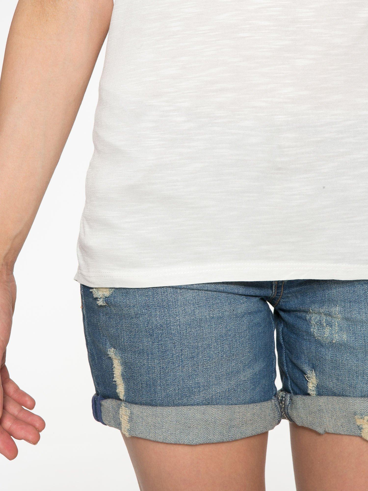 Ecru t-shirt ze złotym hasztagiem                                  zdj.                                  6