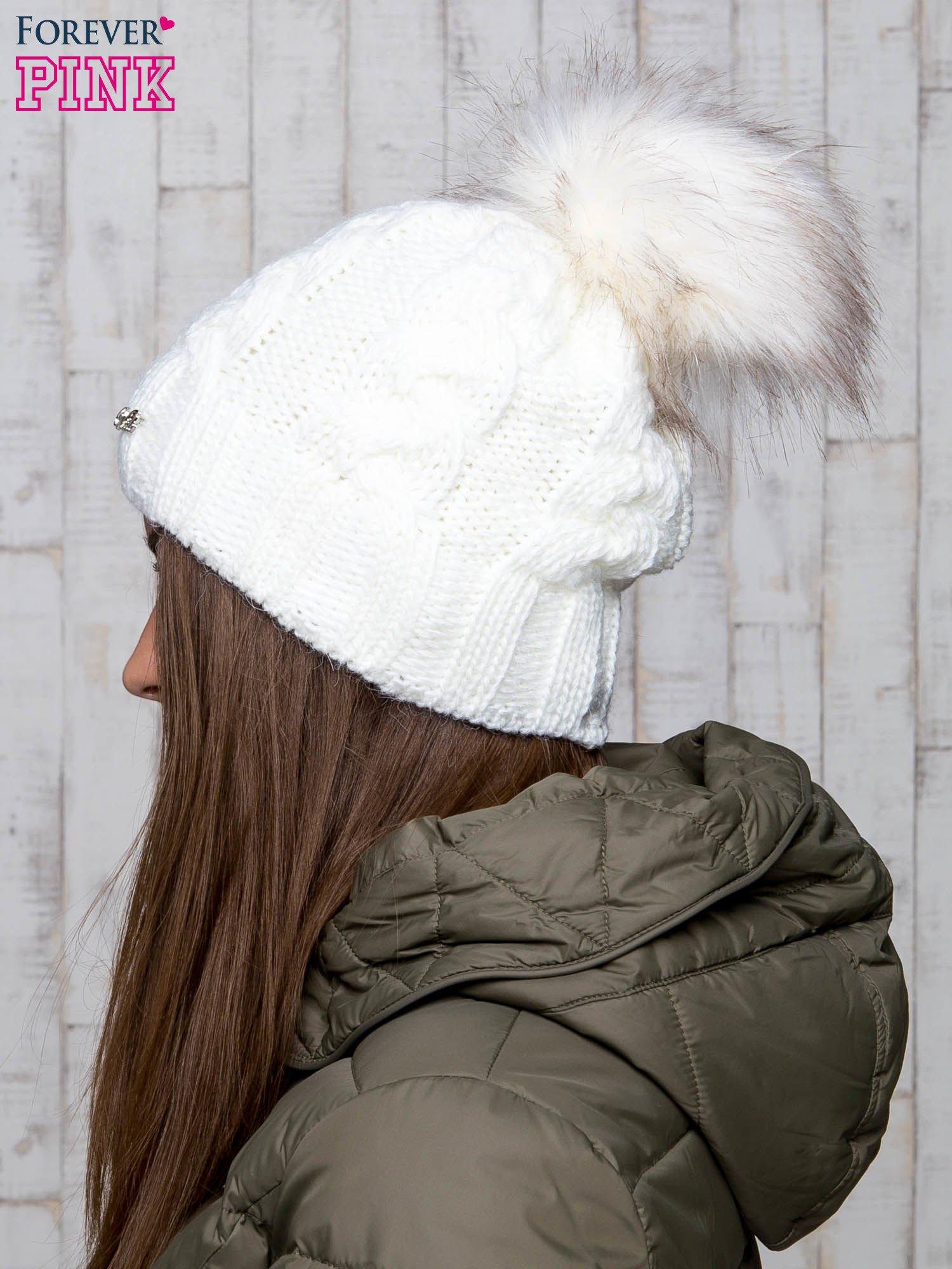 Ecru wełniana czapka z pomponem                                  zdj.                                  2
